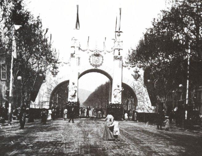 File:Arco de Triunfo Alfonso XIII.jpg