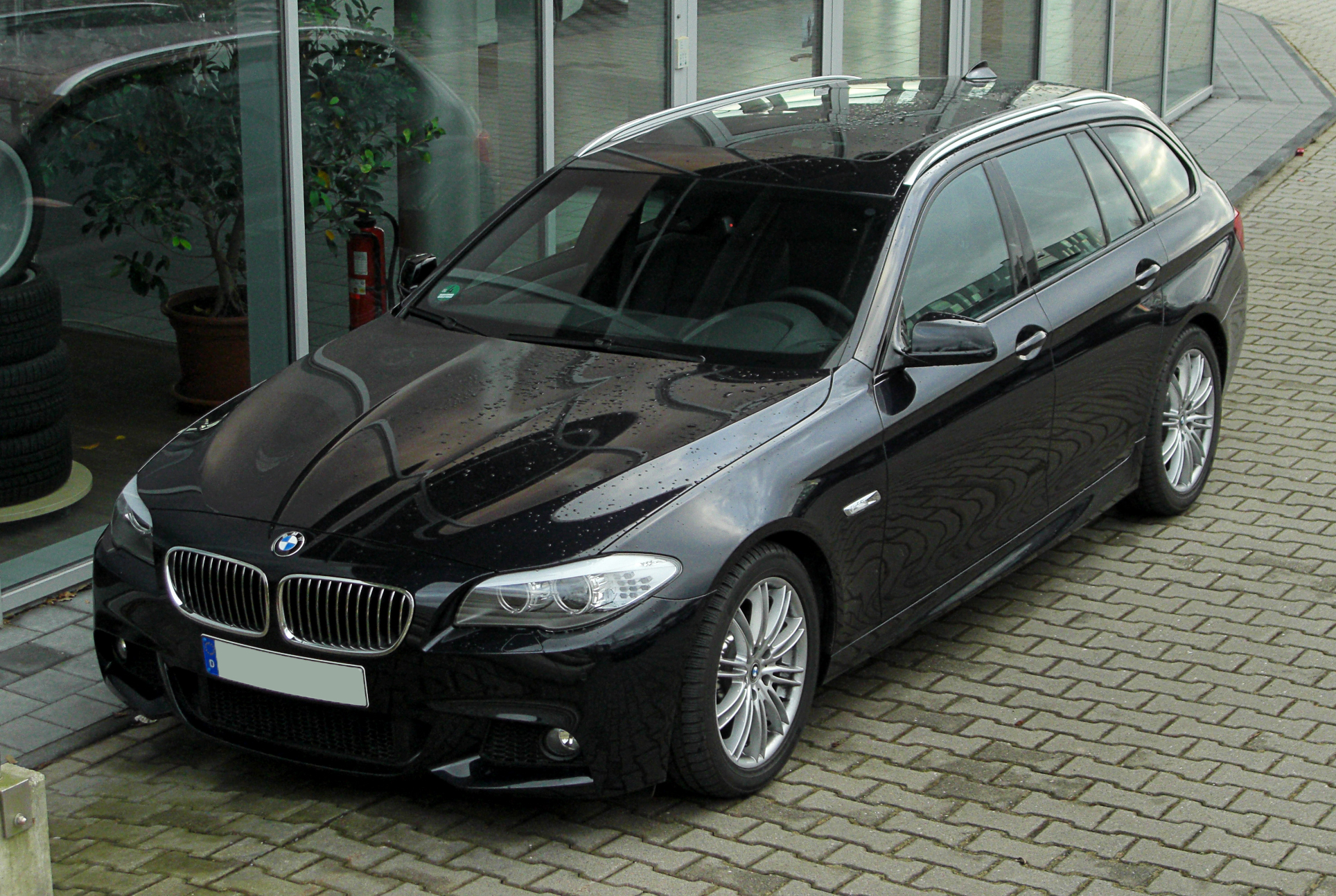 File:bmw 520d Touring