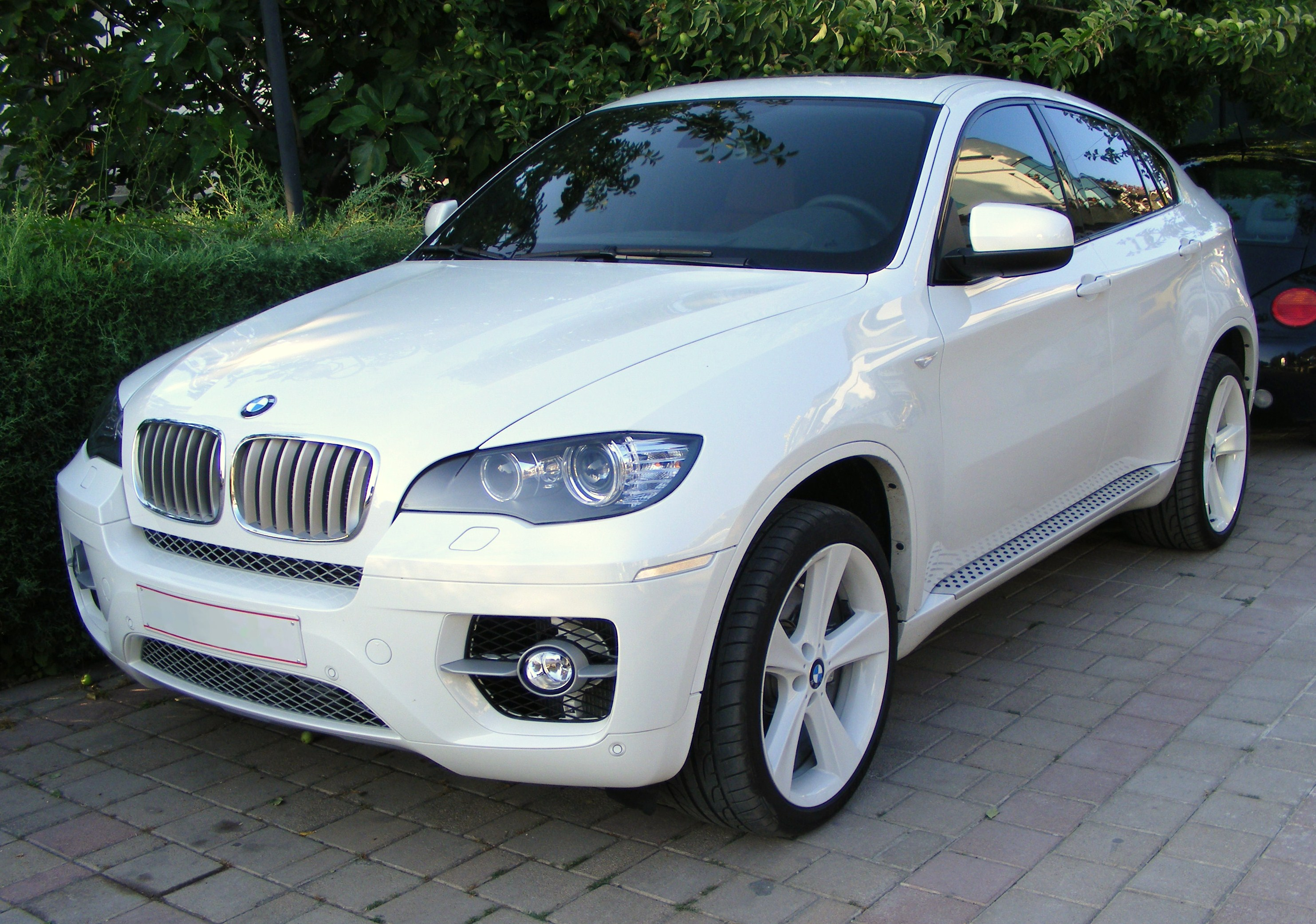 File:BMW X6 front.jpg - Wikimedia Commons