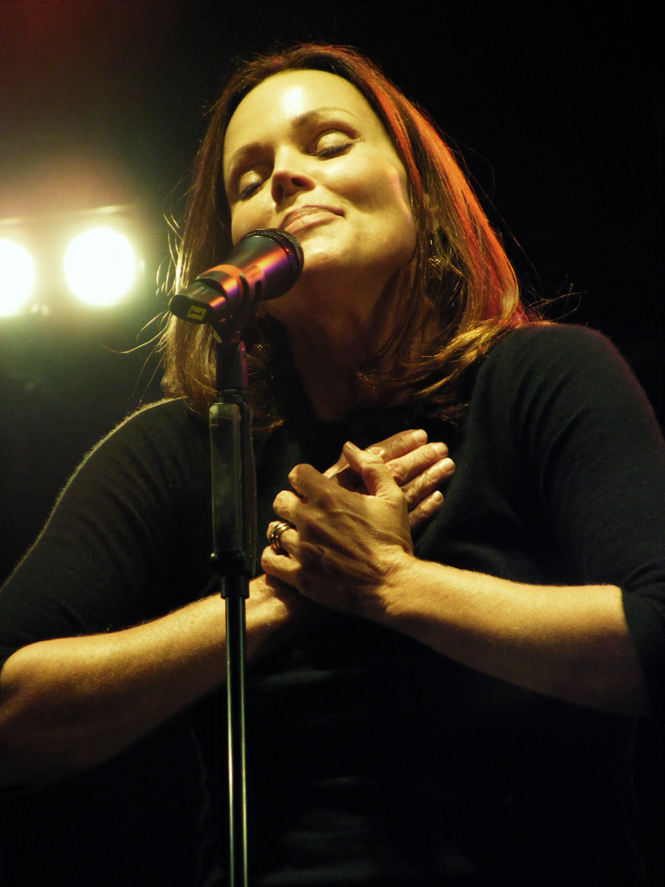 loading image for Belinda Carlisle
