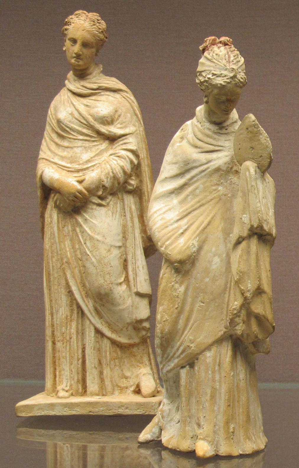 File beozia figurine di donne in piedi 300 275 ac left for Cabina di 300 piedi quadrati