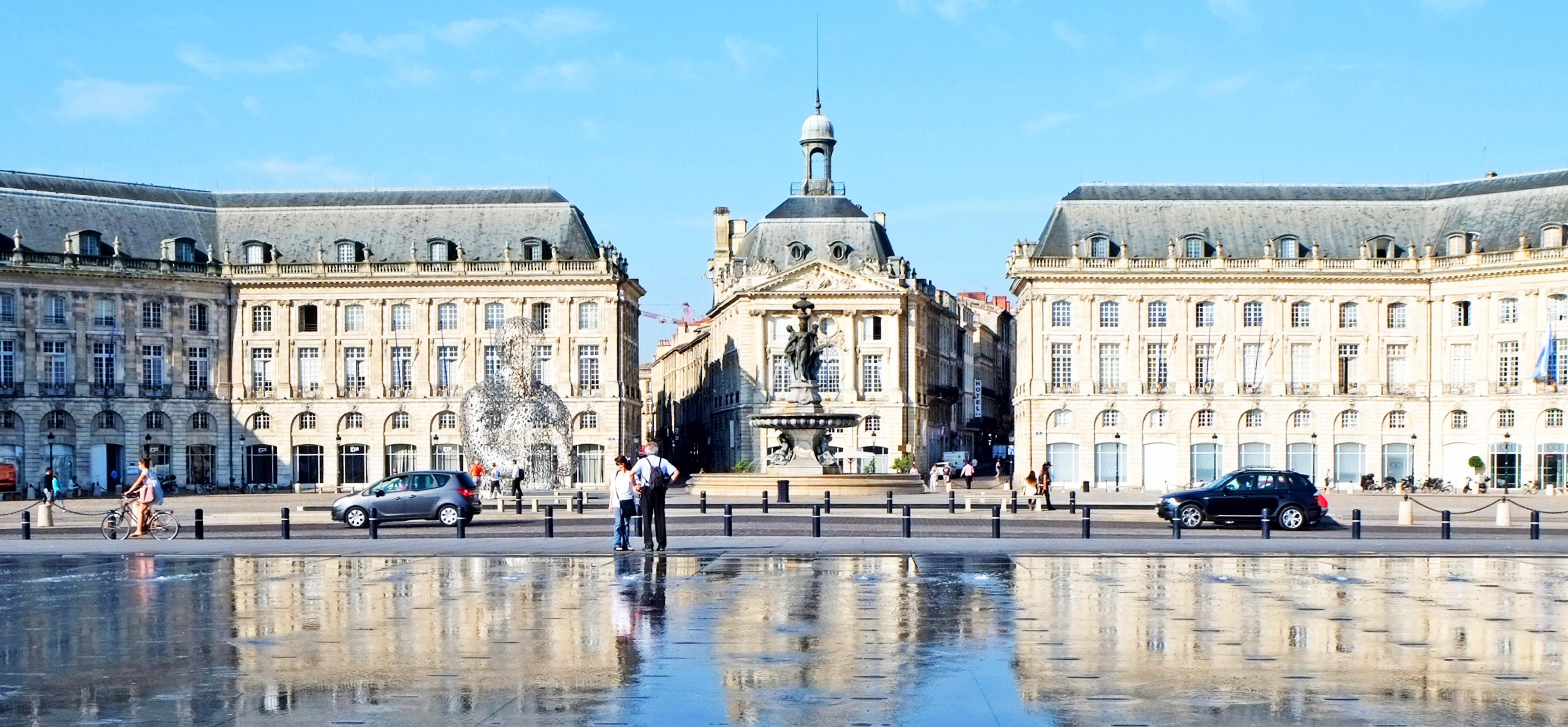 File Bordeaux Place De La Bourse Les Trois Graces Et Le Miroir D