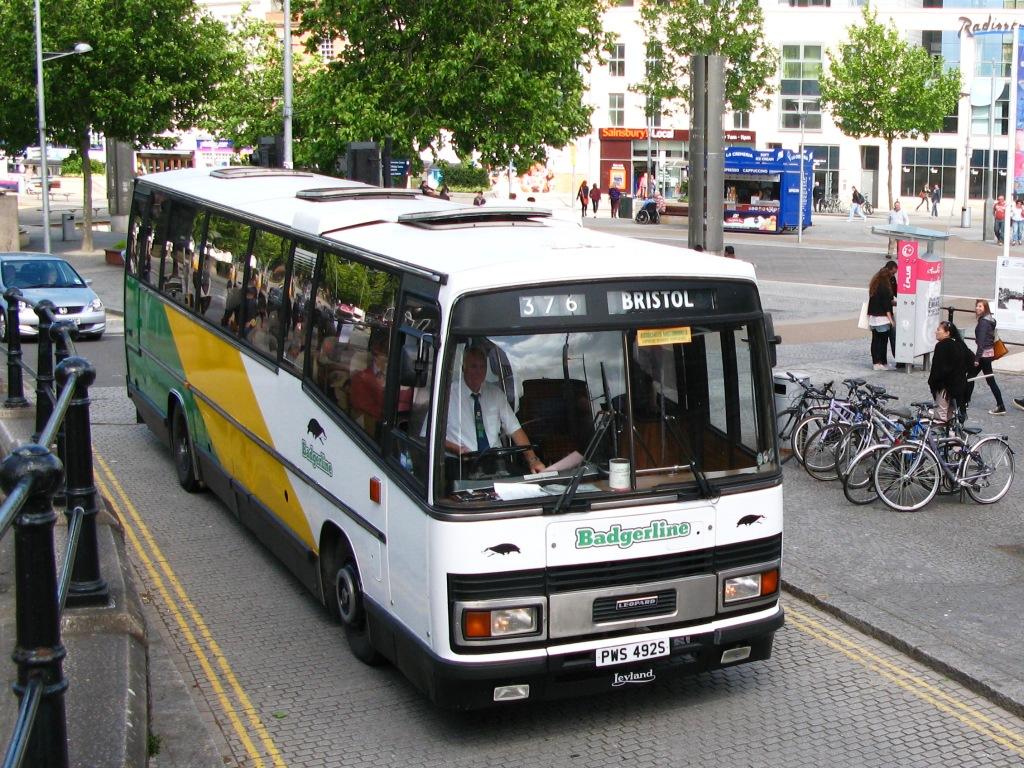 File:Bristol Centre Badgerline 2098 PWS492S.jpg