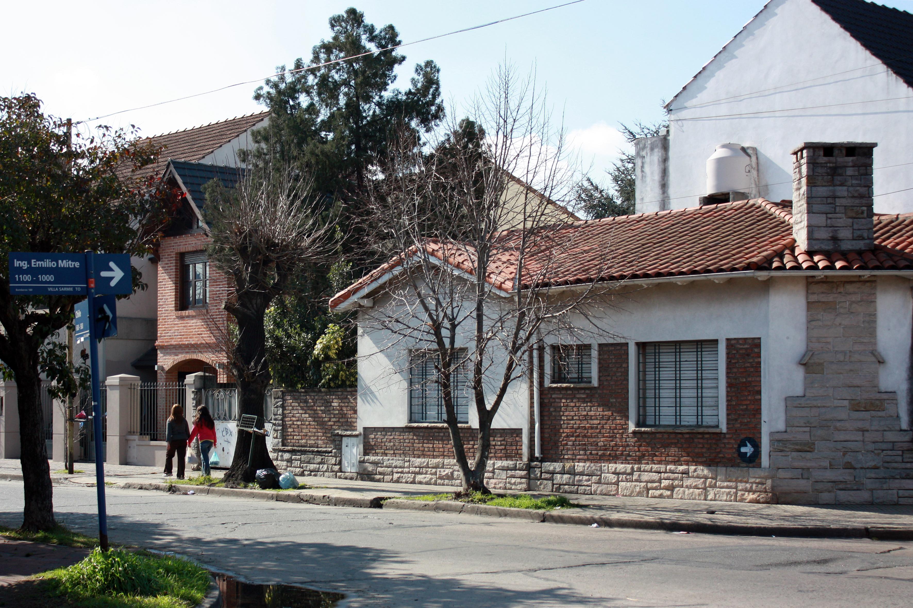 File calle de villa sarmiento moron pcia de buenos for Villas en buenos aires