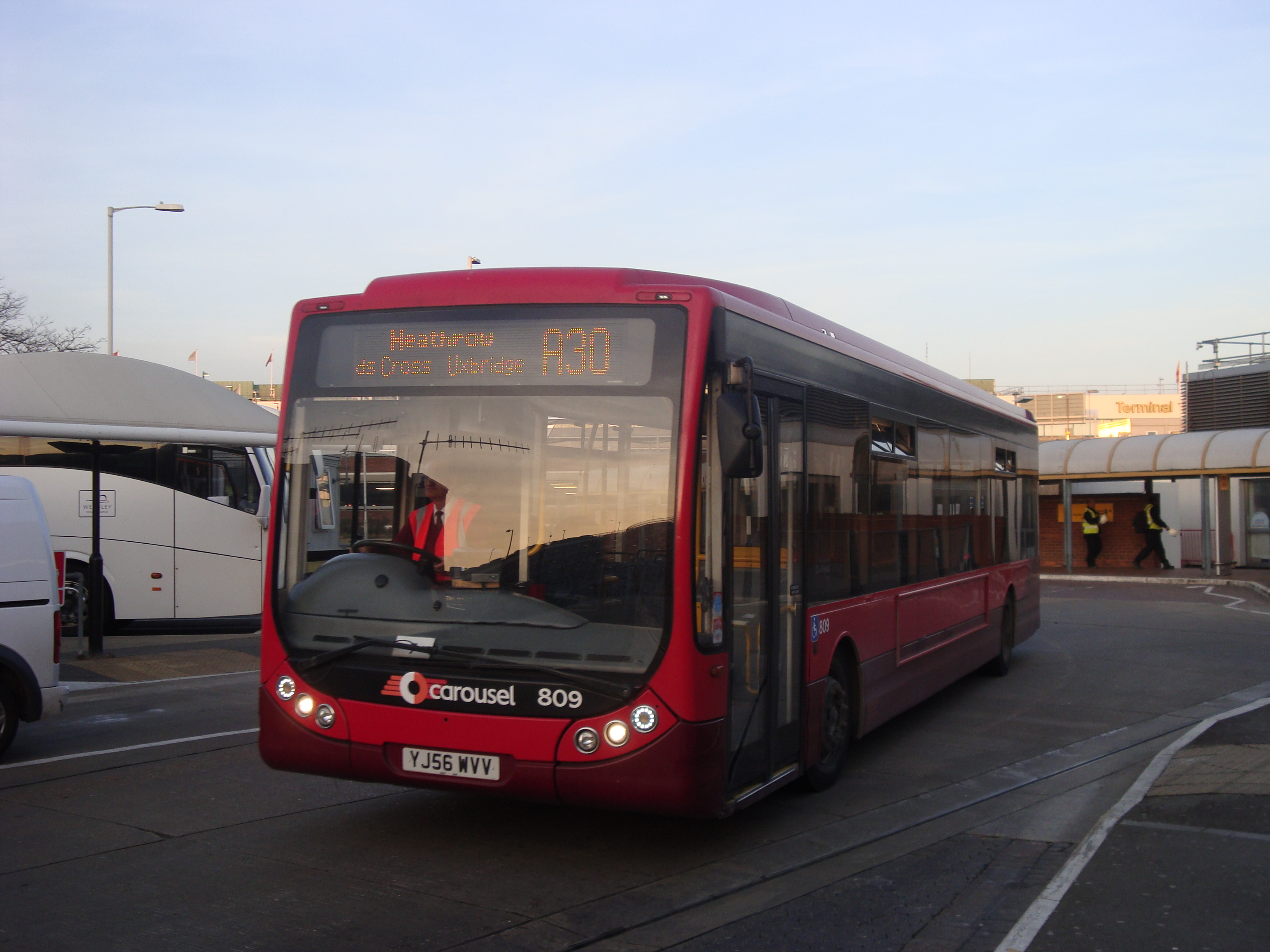 File:Carousel Buses 809 on Route A30, Heathrow Central