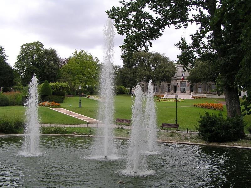 Jardin public de cognac wikiwand for Jardin facile cognac
