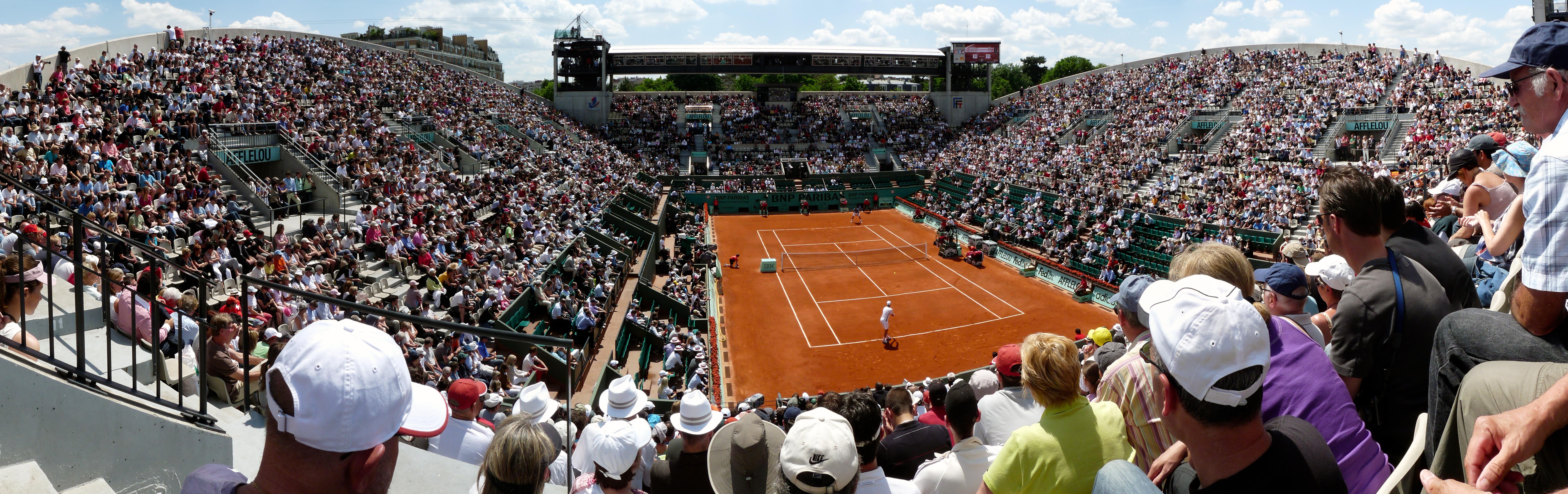 File Court Suzanne Lenglen 3¨me tour de Roland Garros 2010