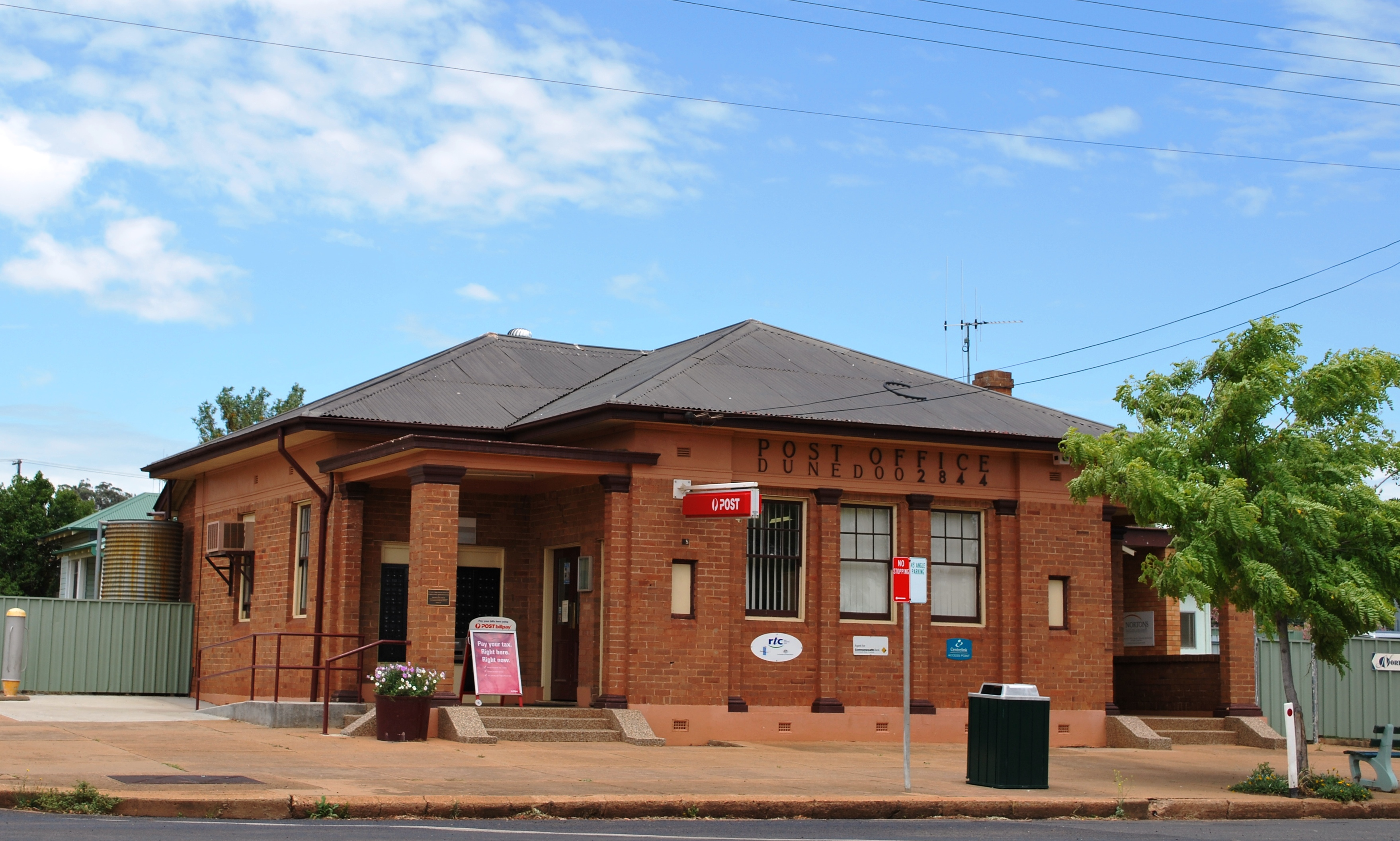 English: Post office at Dunedoo, New South Wales