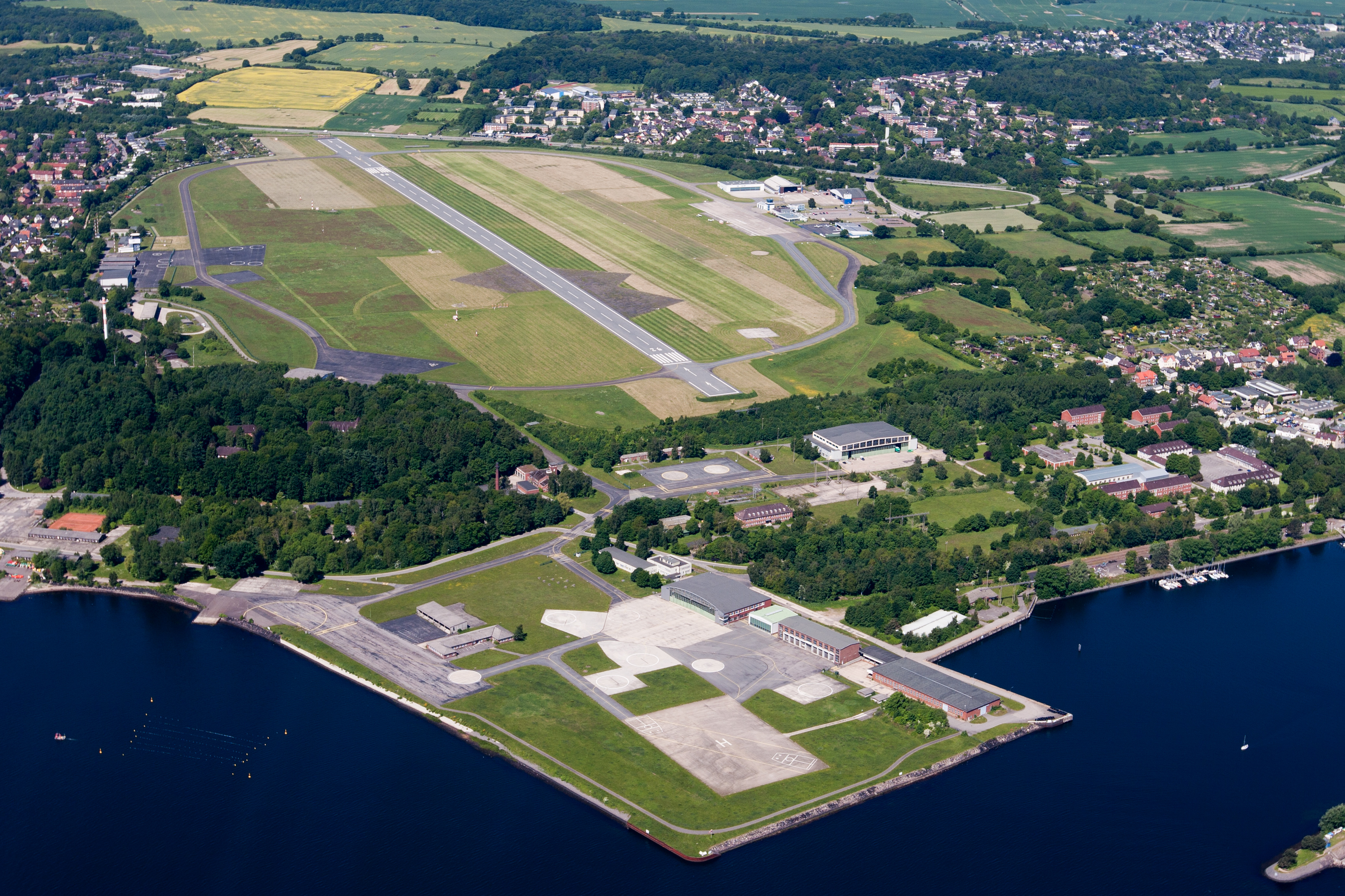Kiel Airport - Wikipedia, the free encyclopedia