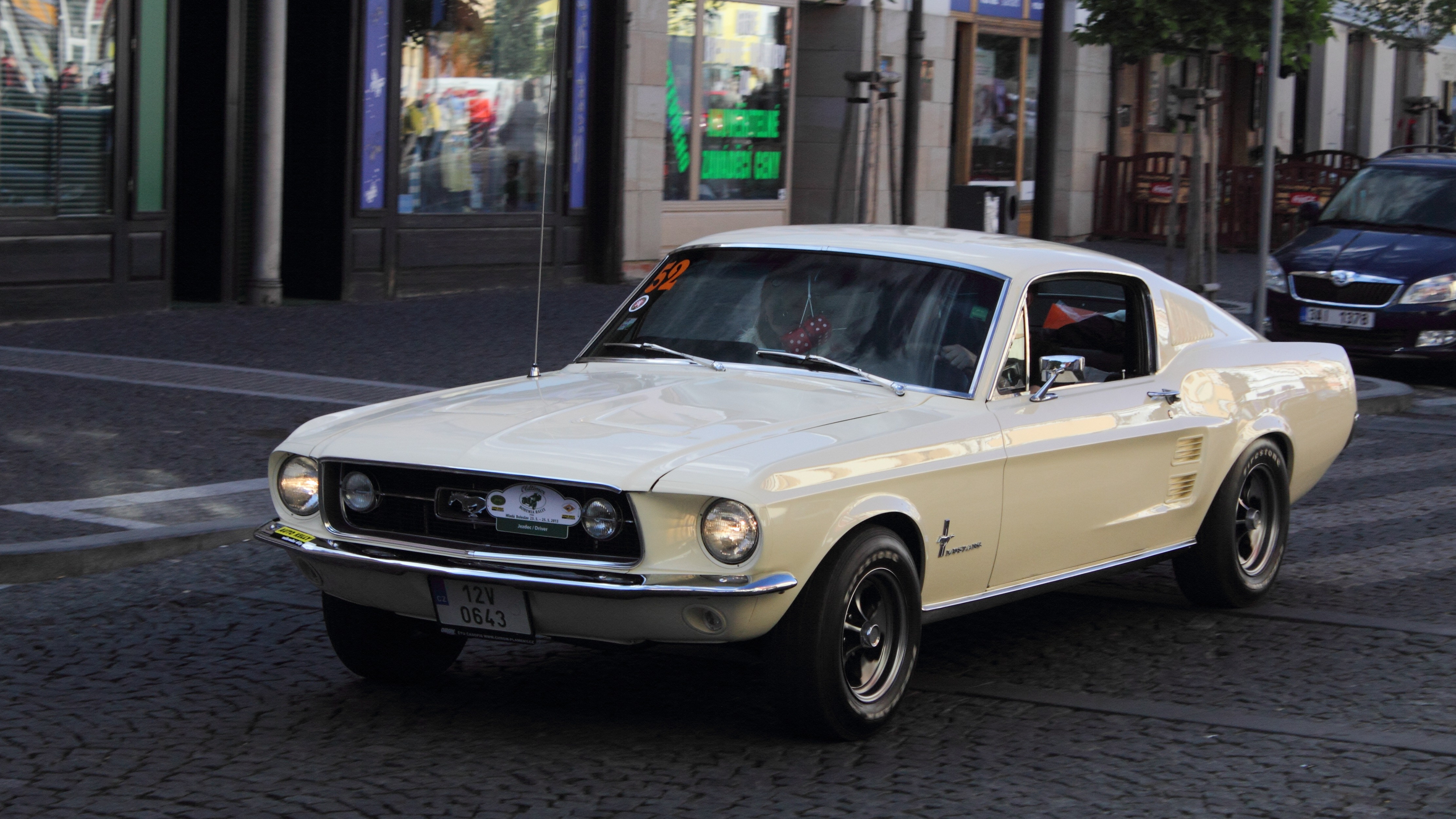 file ford mustang fastback 2013 oldtimer bohemia rally jpg. Black Bedroom Furniture Sets. Home Design Ideas