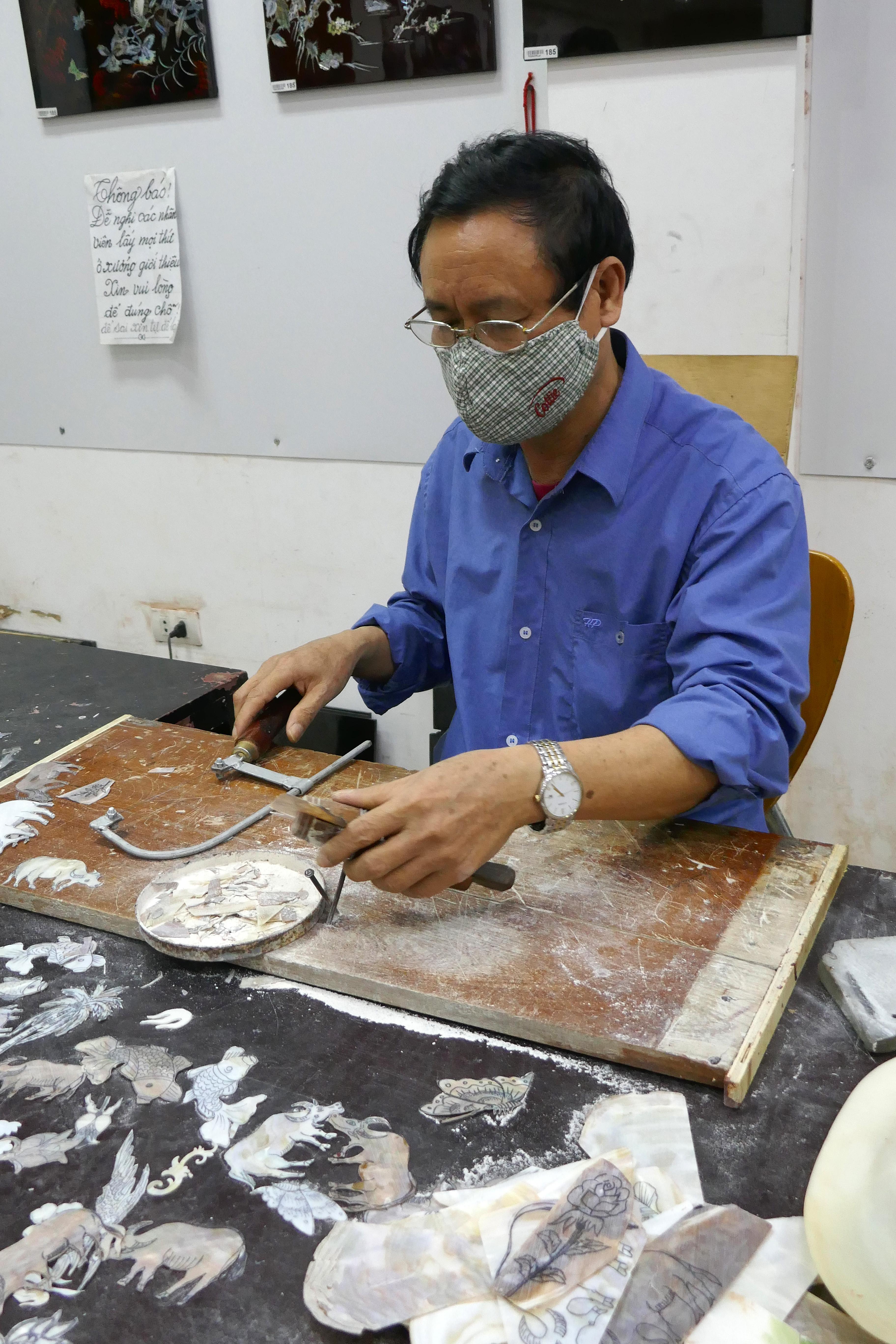 File Hanoi Application De Nacre Sur La Laque 2 Jpg Wikimedia