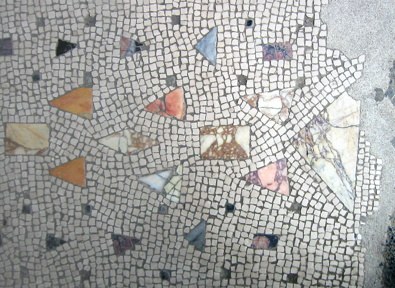 File:Herculaneum Mosaic Floor with Marble Inlay.jpg ...
