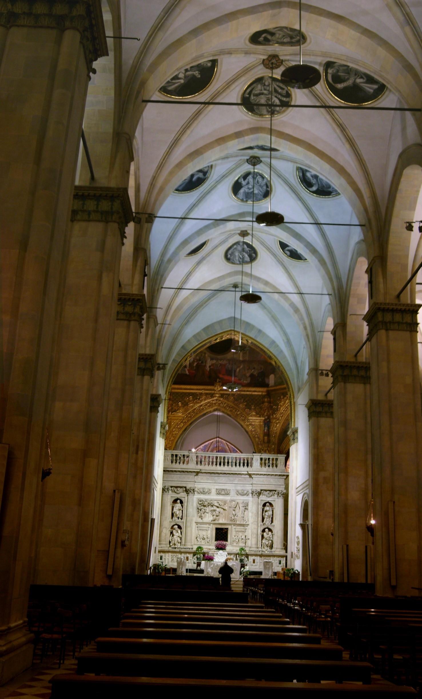 File interno basilica della santa casa loreto jpg for Interno della casa