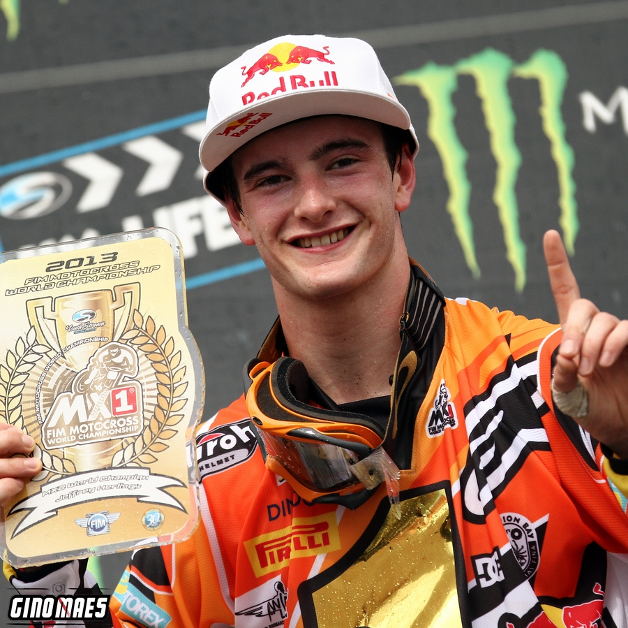 The 22-year old son of father (?) and mother(?), 183 cm tall Jeffrey Herlings in 2017 photo