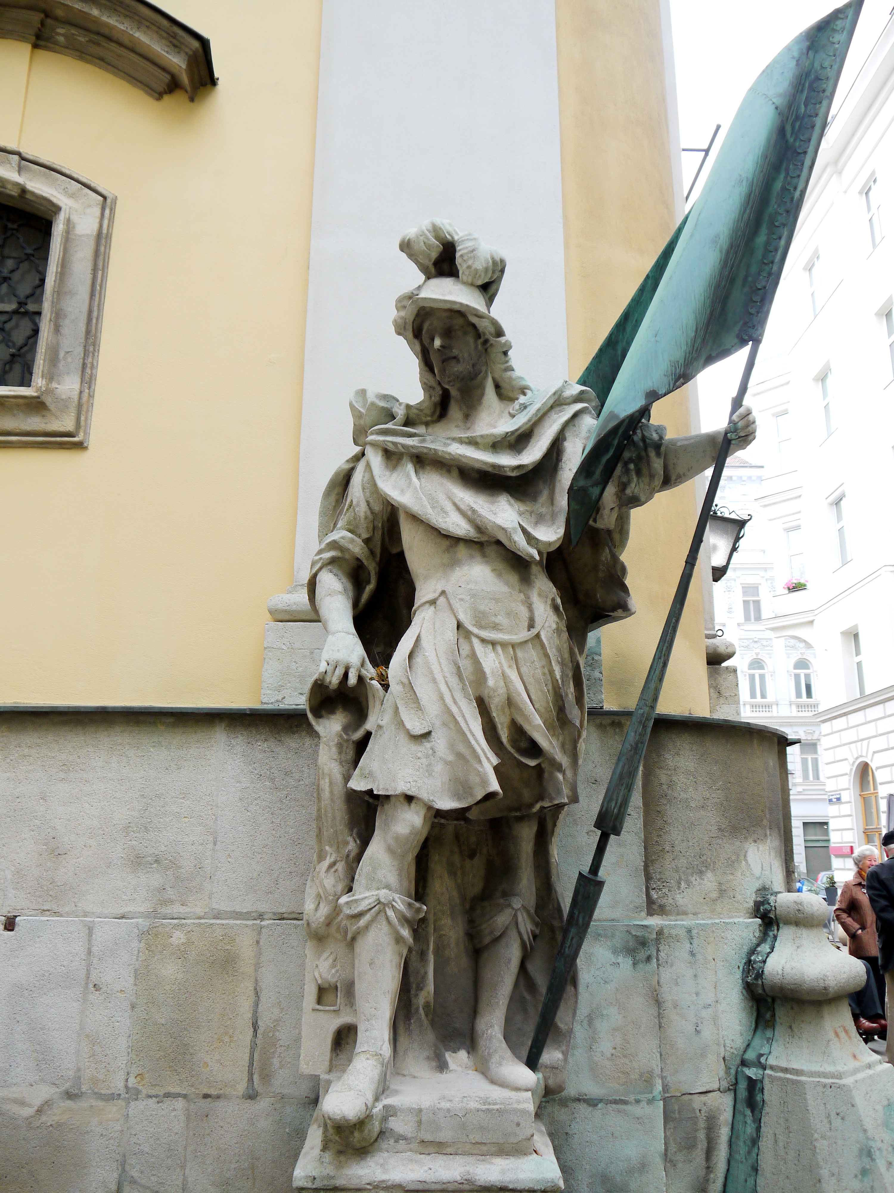 Kirche Hl. Leopold Figur 2 Florian.JPG
