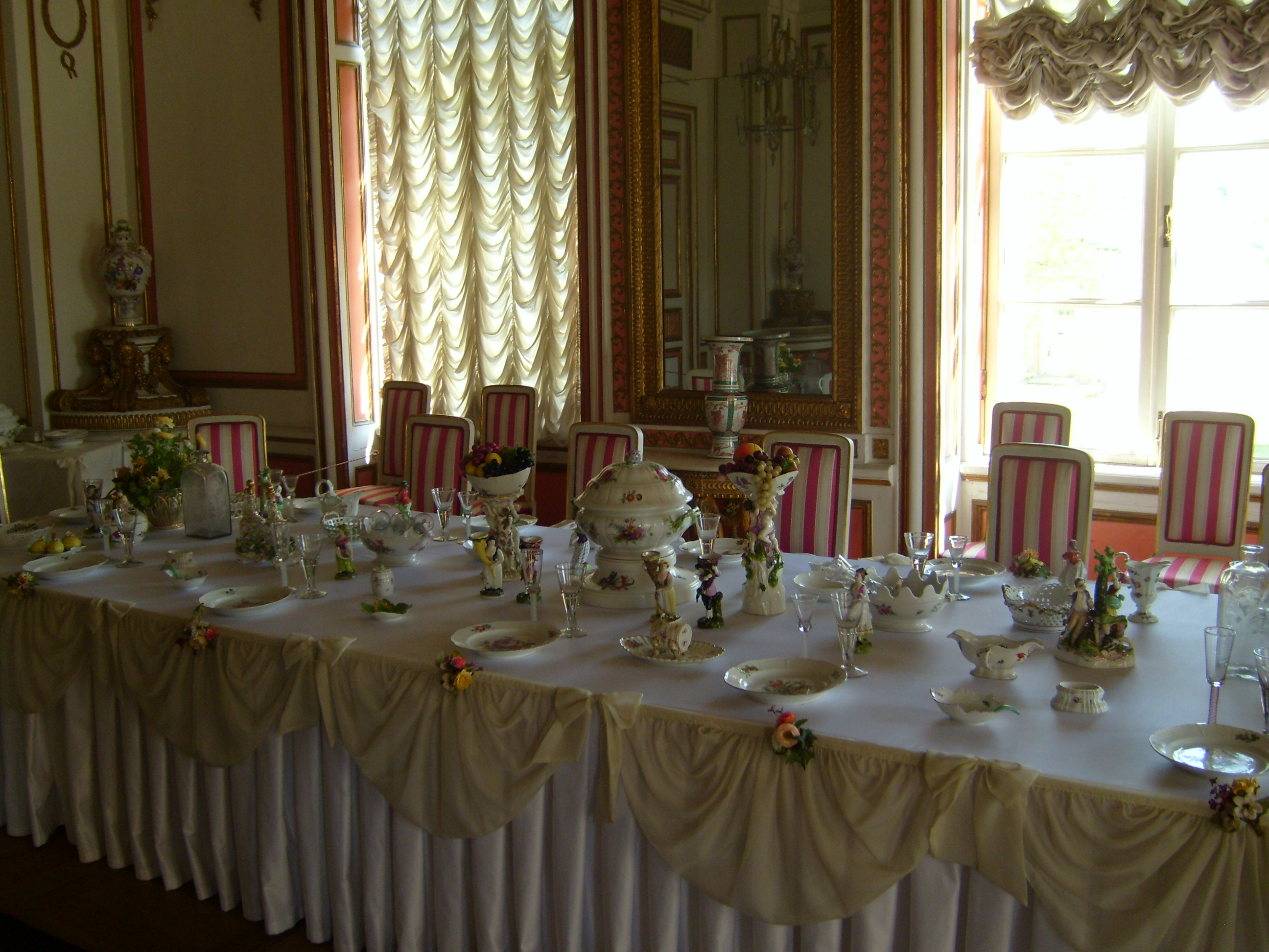 file:kuskovo palace dining room - wikimedia commons