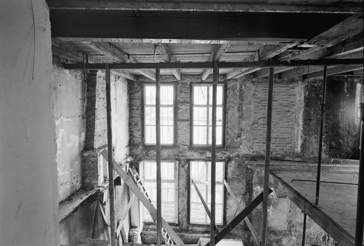 File:Linker vleugel interieur detail - Leeuwarden - 20130742 - RCE ...