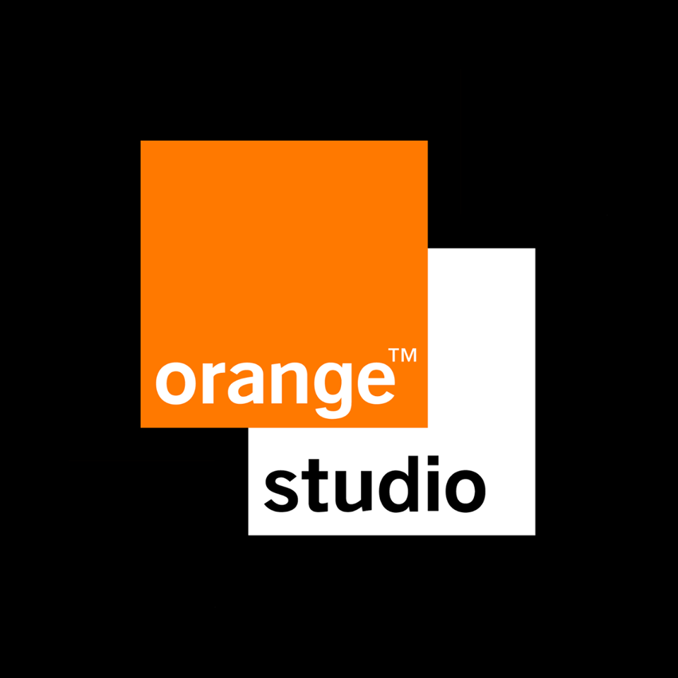 Orange studio — Wikipédia