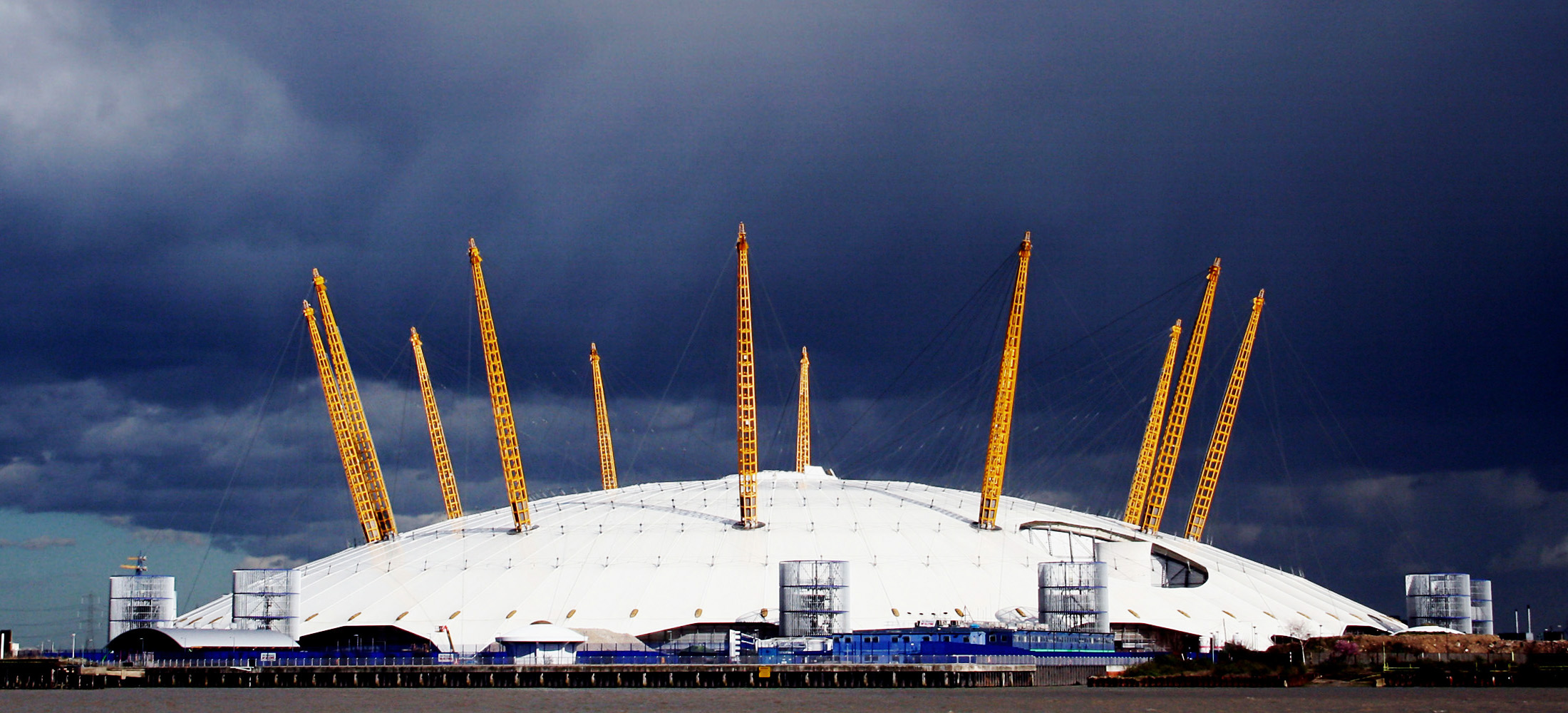 File:Millennium Dome (zakgollop) version.jpg - Wikipedia, the free ...