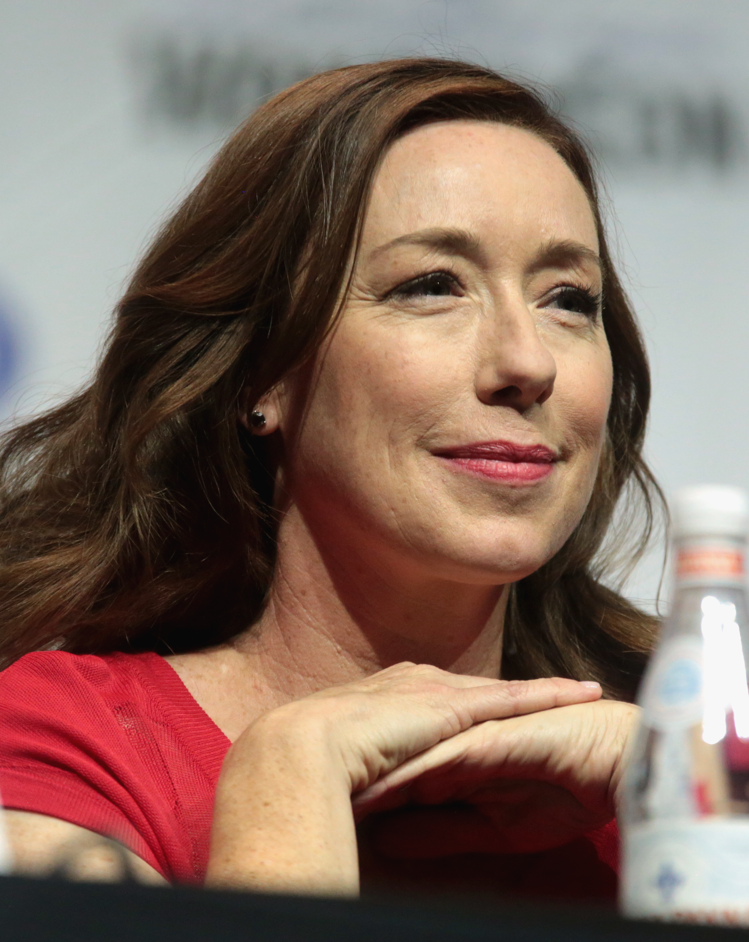 The 46-year old daughter of father (?) and mother(?) Molly Parker in 2018 photo. Molly Parker earned a  million dollar salary - leaving the net worth at 2 million in 2018