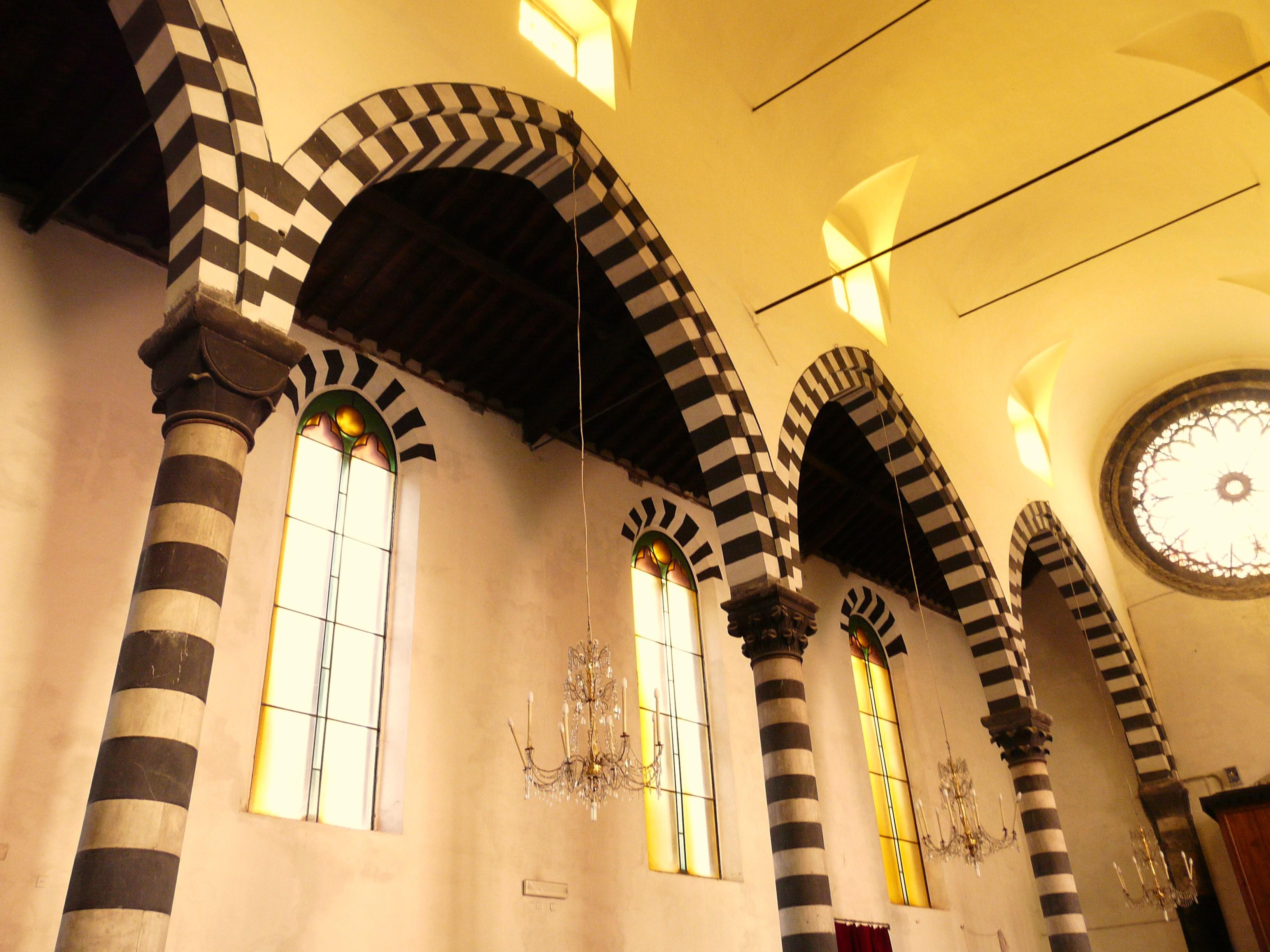 file monterosso al mare-chiesa san giovanni battista-arcate interne jpg