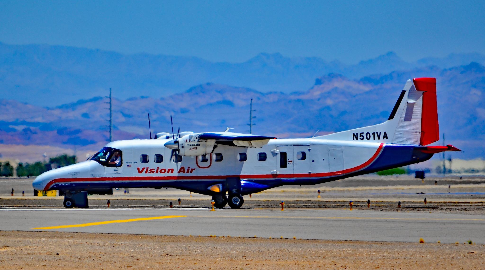 file n501va dornier 228 202 s n 8110 28125386566 jpg wikimedia rh commons wikimedia org Fairchild Dornier 228 Dornier 328 Interior