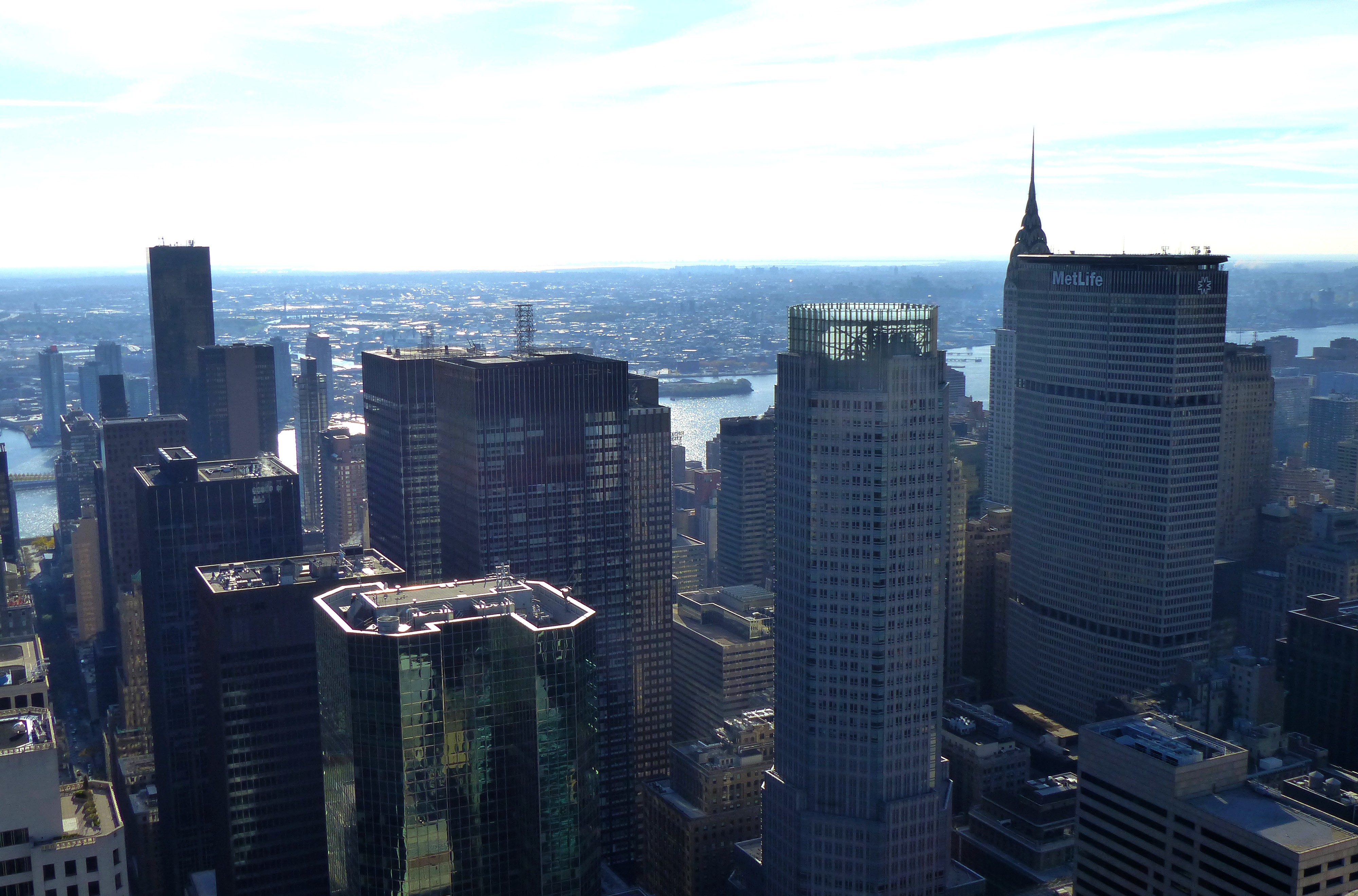 Visiting the practice (samantha) NYC_-_Top_of_the_Rock_-_view_of_Midtown_North_Central_%E2%80%93_East_River_-_Brooklyn_-_panoramio