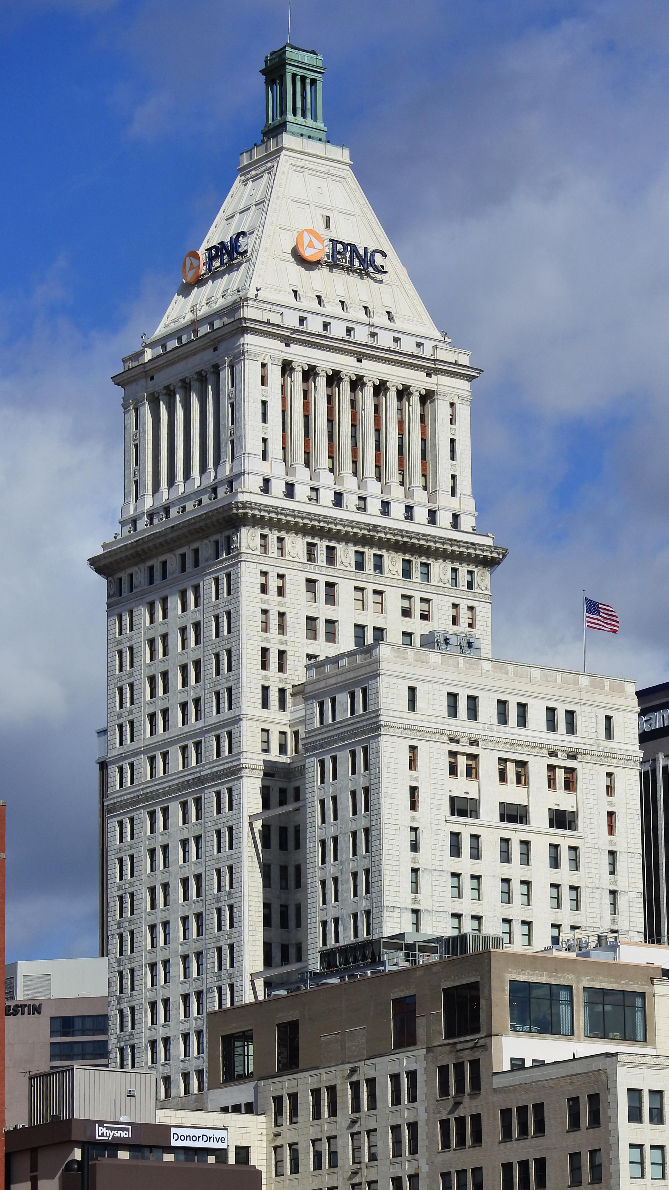 PNC Tower - Wikipedia