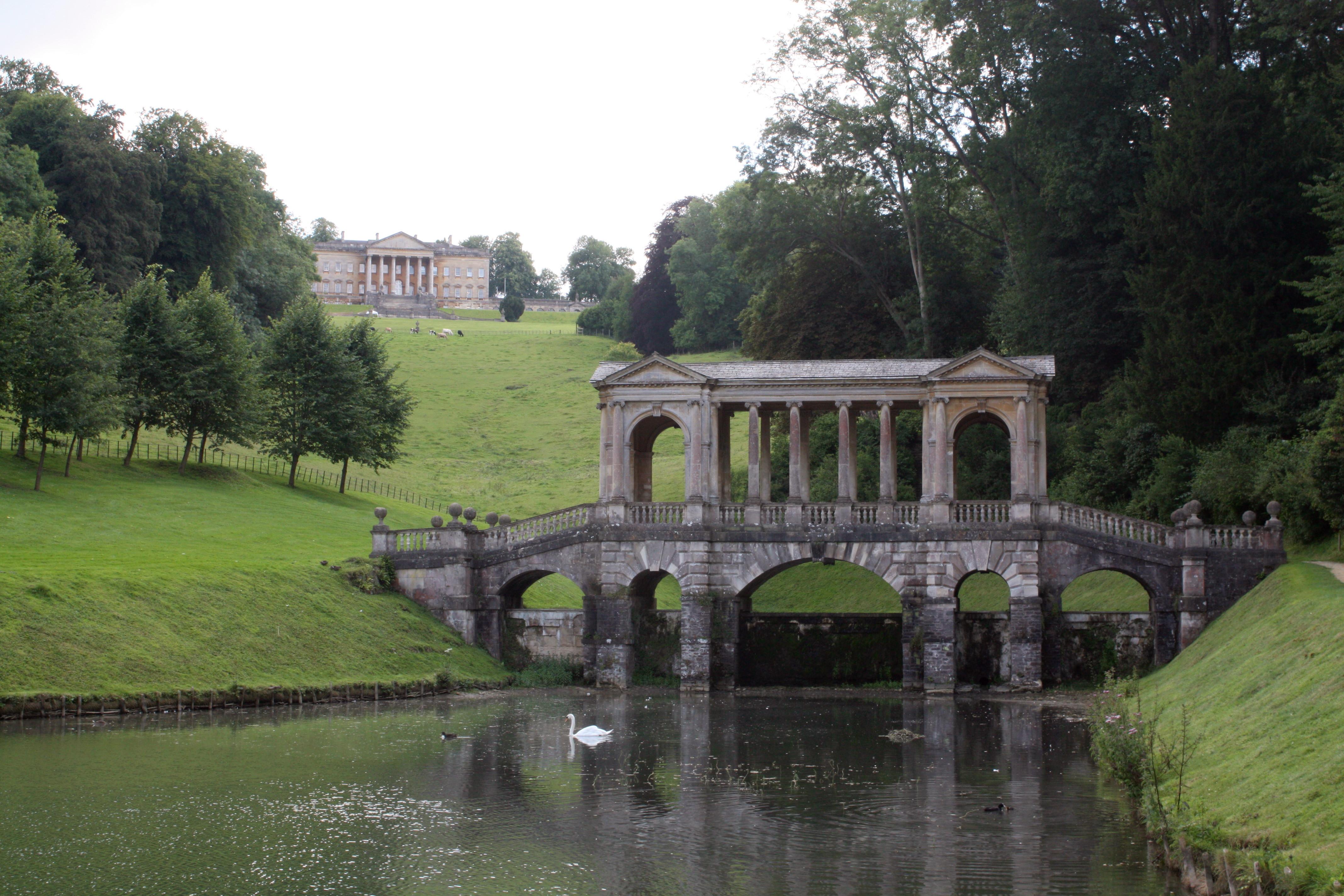 File:Palladian Bridge And House