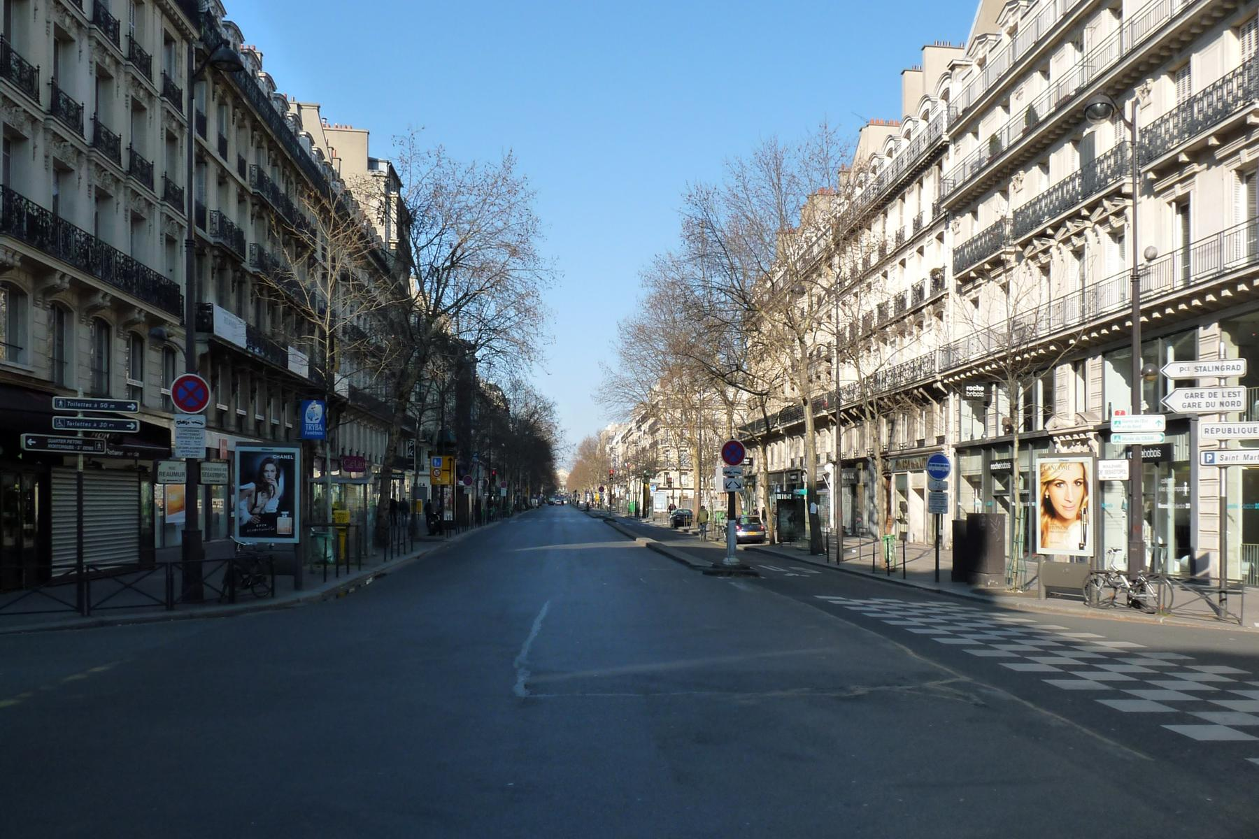 File:Paris boulevard d...