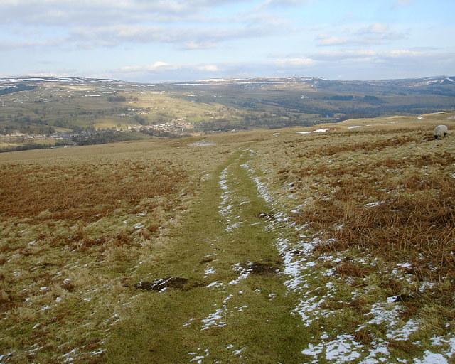 Pennine Way descending to Middleton - geograph.org.uk - 1718109