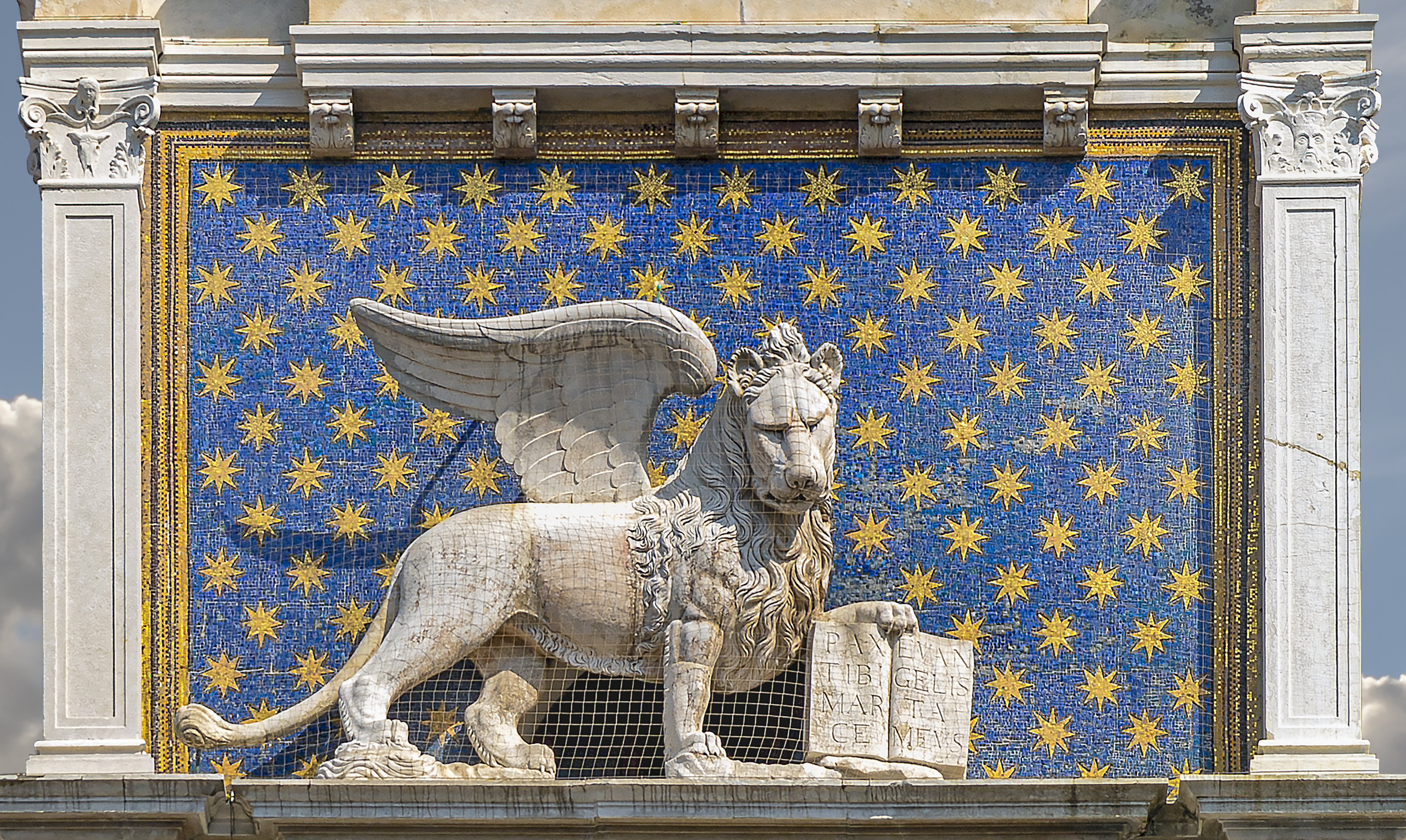 File:Piazza San Marco (Venice) - Clock tower - Lion of San Marco.jpg -  Wikimedia Commons