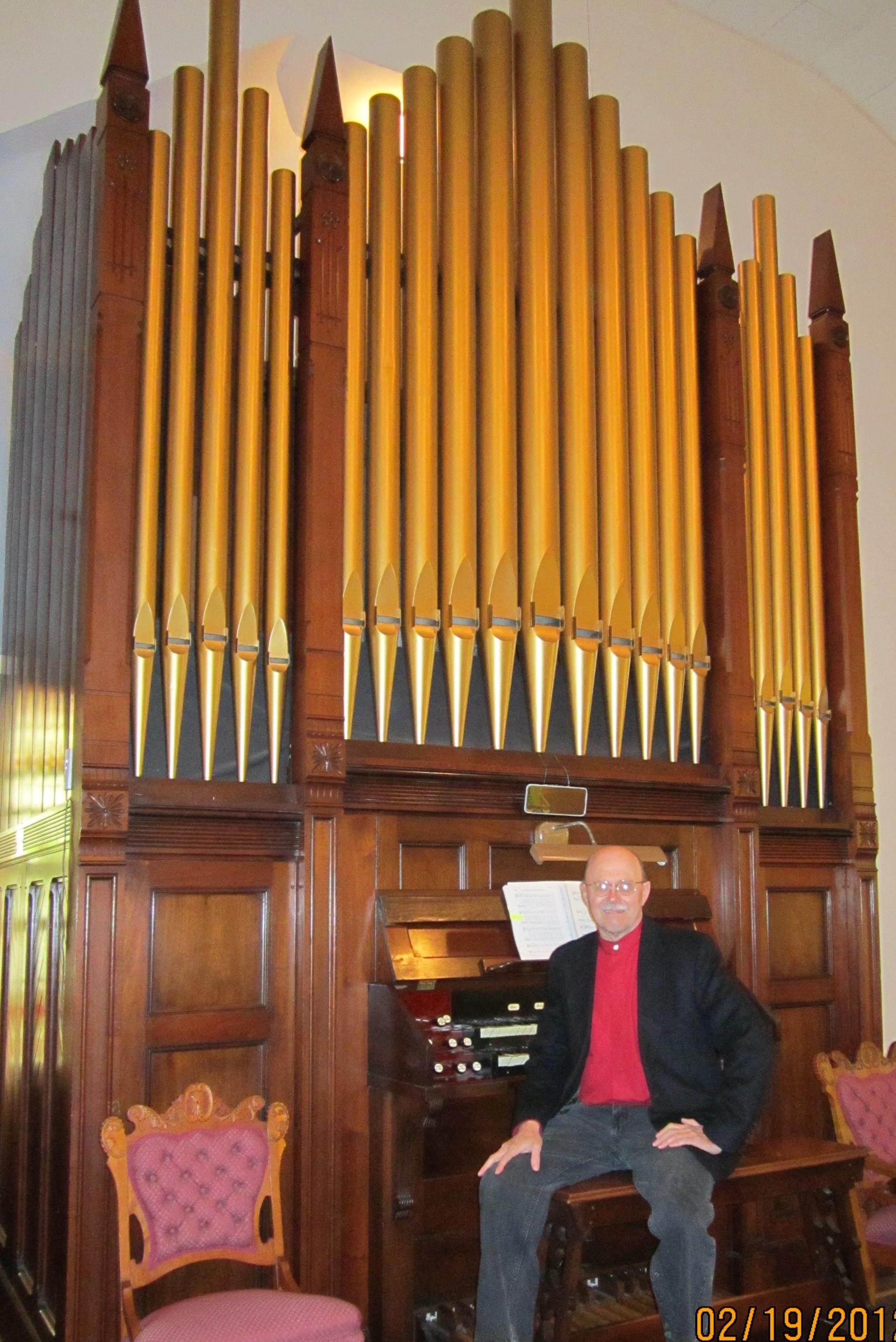 File:Pipe organ at Kirksville Christian Church.jpg