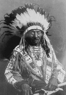 Red Cloud, late life photo.