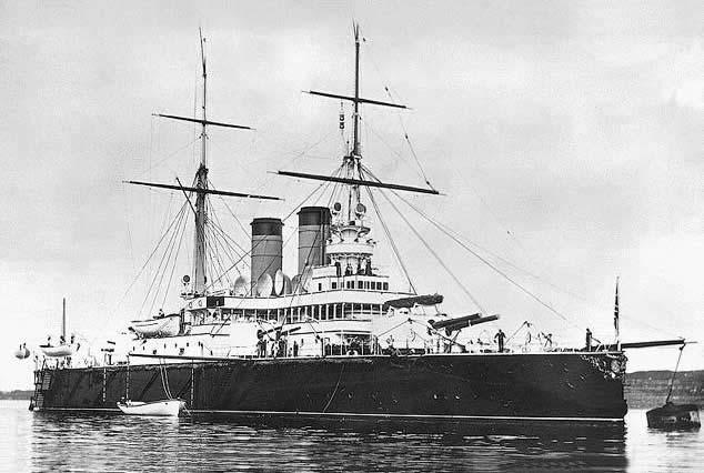 الحرب ال - الحرب العالميه الاولى Rostislav_battleship