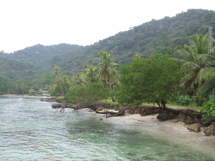 File:Sapzurro Beach (Colombia).jpeg