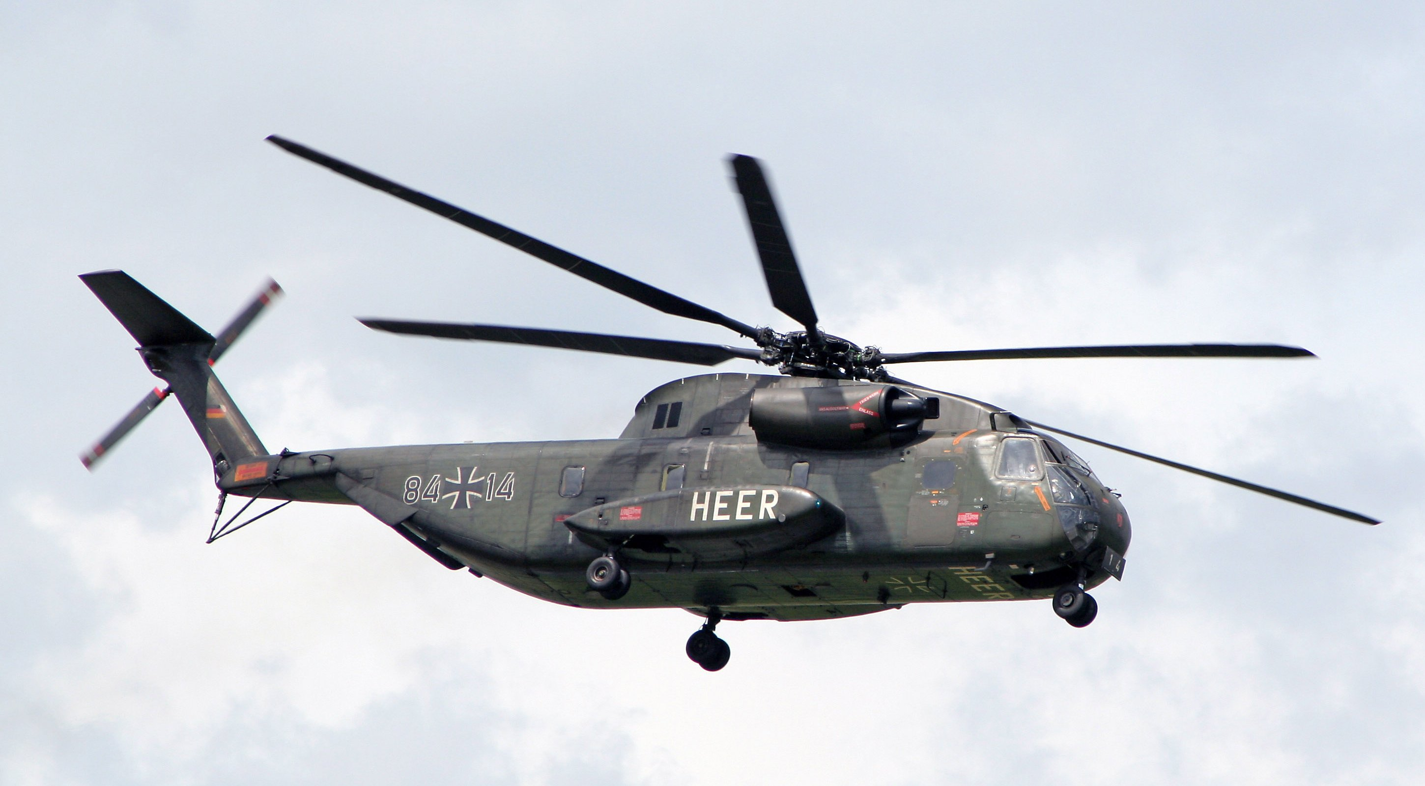 sikorsky ch 53k heavy lift helicopter with Forums on Ch 53k King Stallion together with Hlr furthermore MH 53 Pave Low furthermore Ch 53k Operational Test Helicopter Contract Issued also 699353.