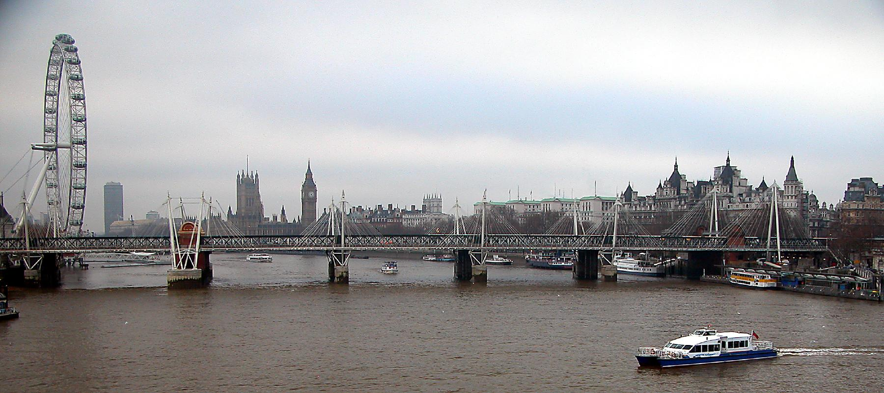 File:Thames River London.jpg