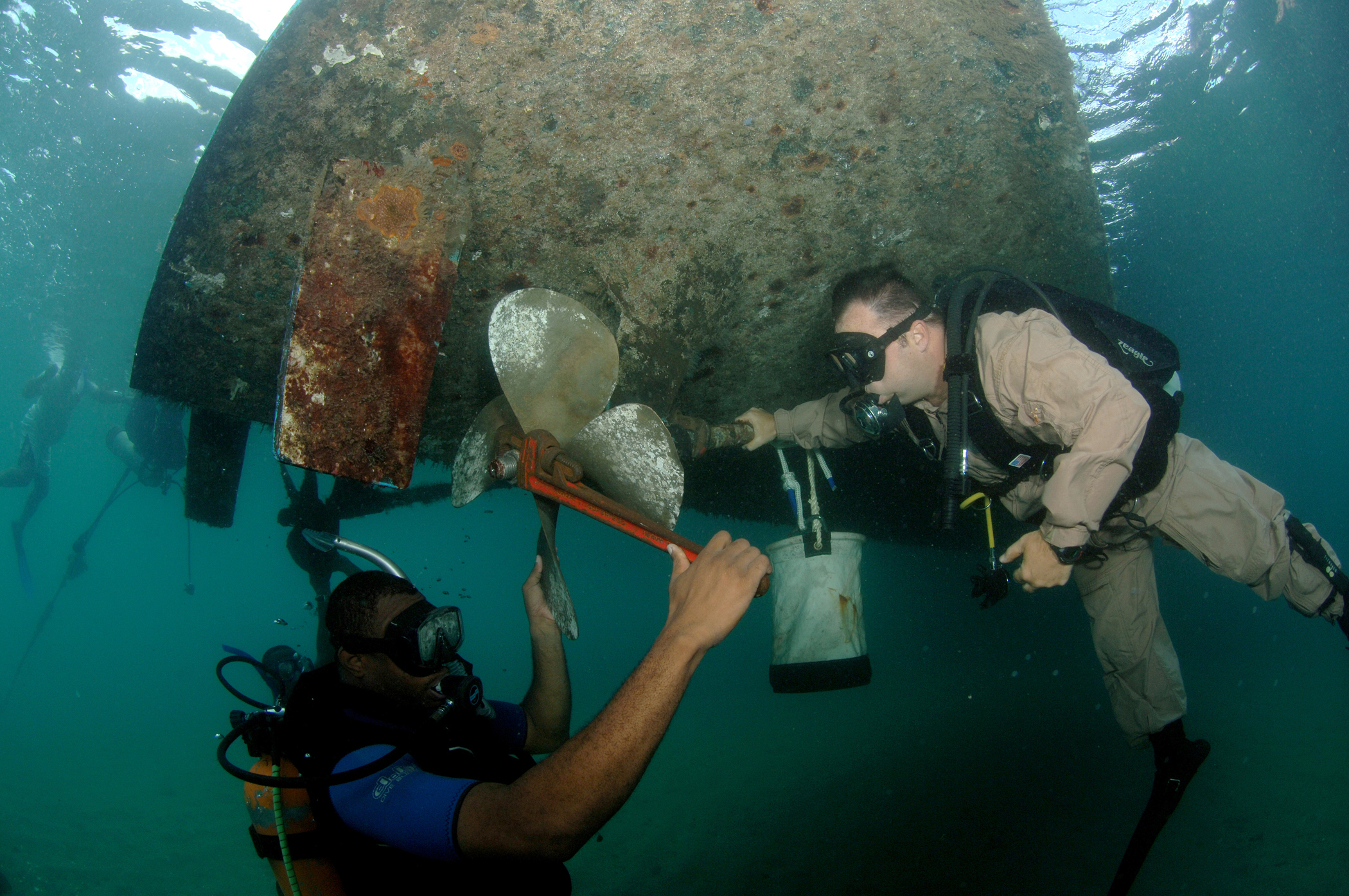 File:US Navy 080724-N-3093M-016 Senior Chief Diver Billy ...