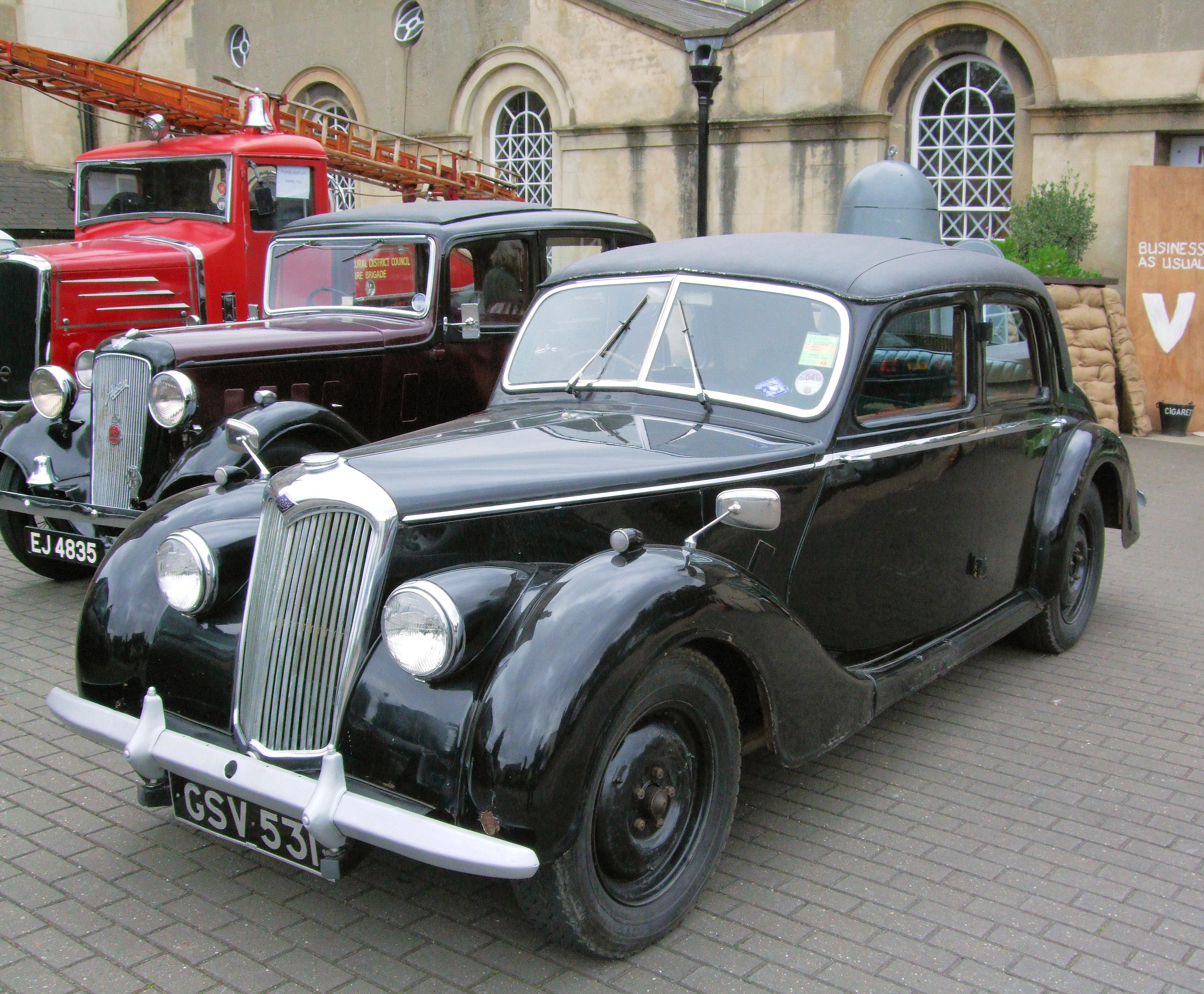File:Vintage Riley Car, Kew Bridge Steam Museum.jpg - Wikimedia ...