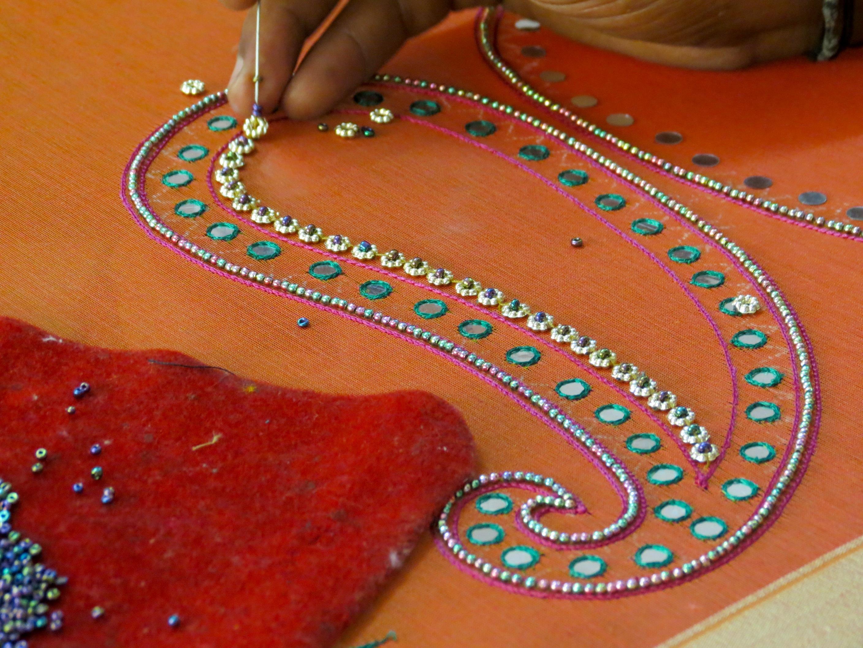 4f1b2d4f51 File:Zari work and mirror work in Hyderabad.jpg - Wikimedia Commons