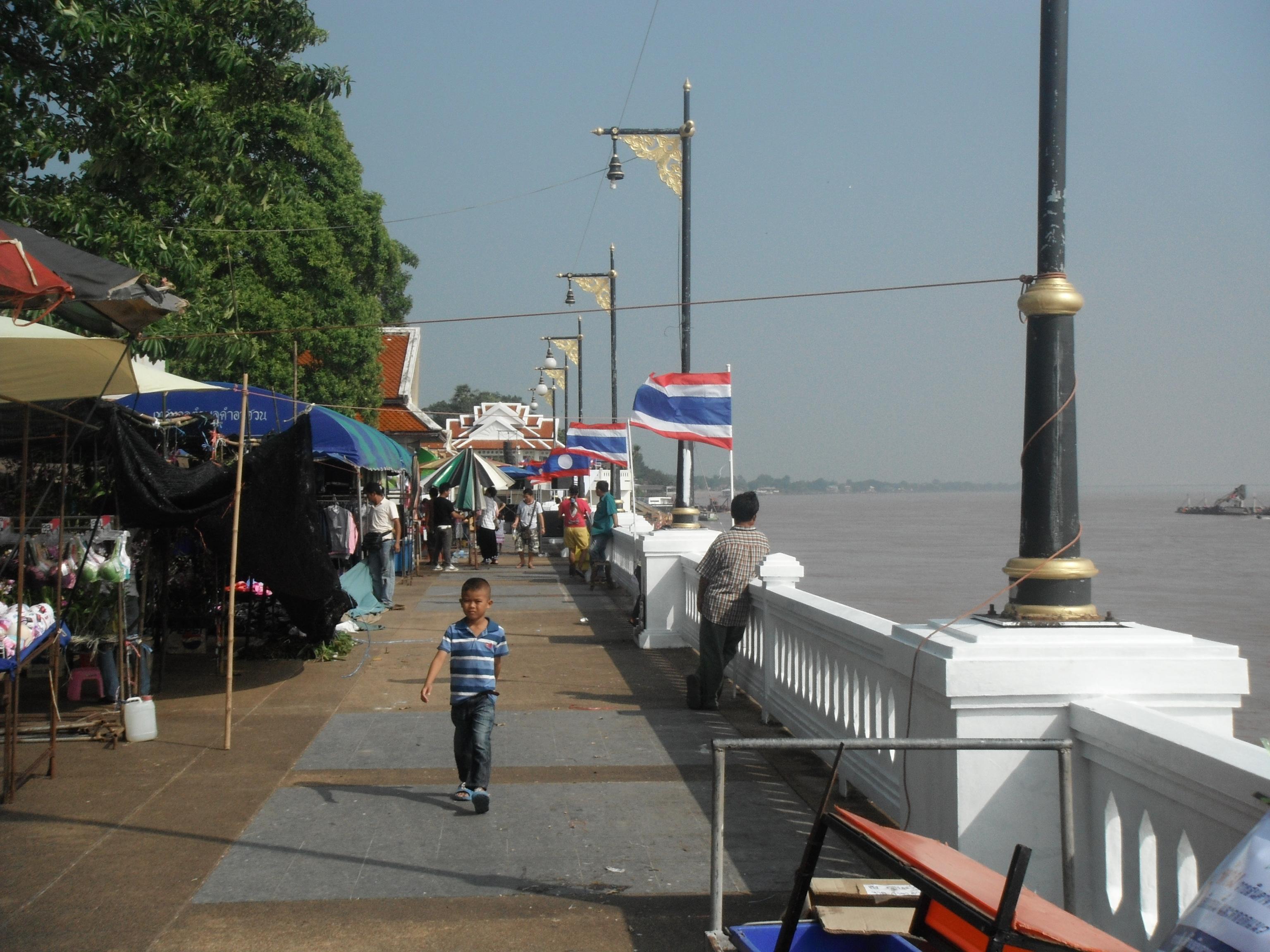 File:ตลาดอินโดจีน (Indo - China market) - panoramio.jpg - Wikimedia Commons