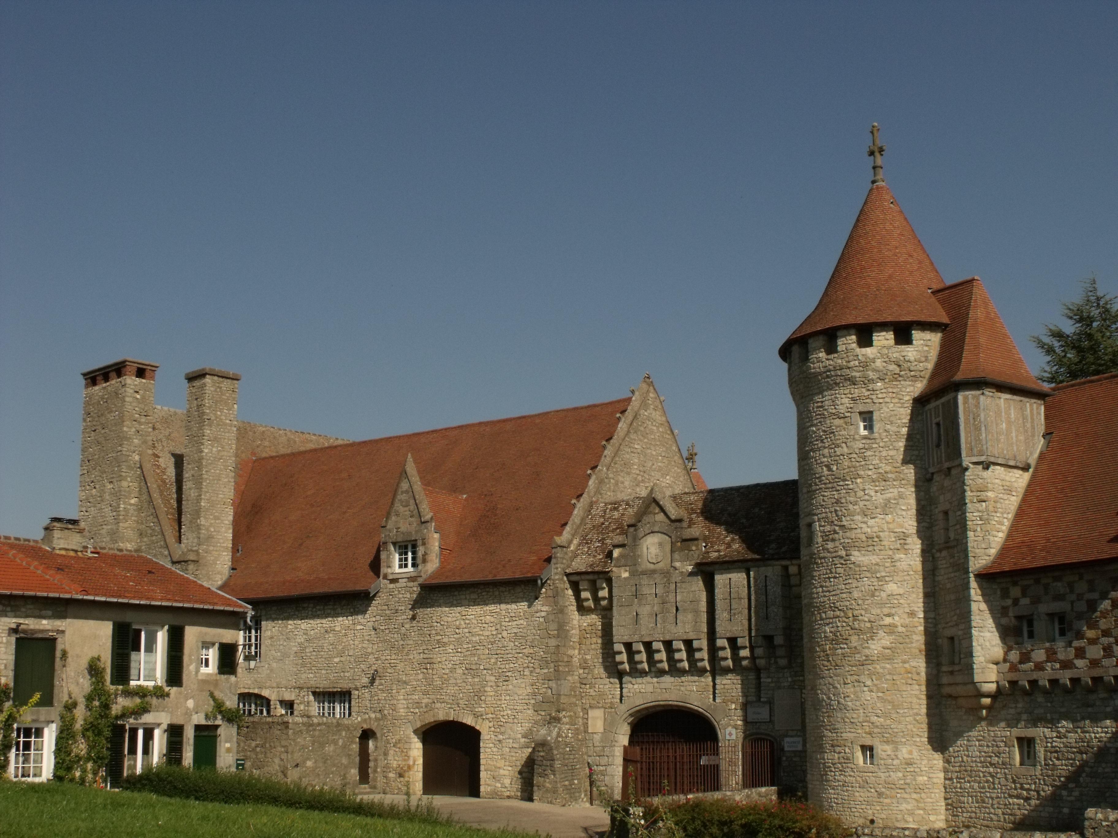 Château d'Hattonchâtel — Wikipédia