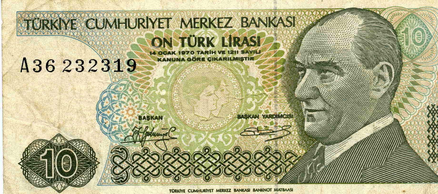 Nach ihrem deutlichen Kursverfall rückt die Lira wieder von ihrem Tief ab. Wirtschaftsexperten raten dennoch, die Krise in der Türkei möglichst schnell einzudämmen.