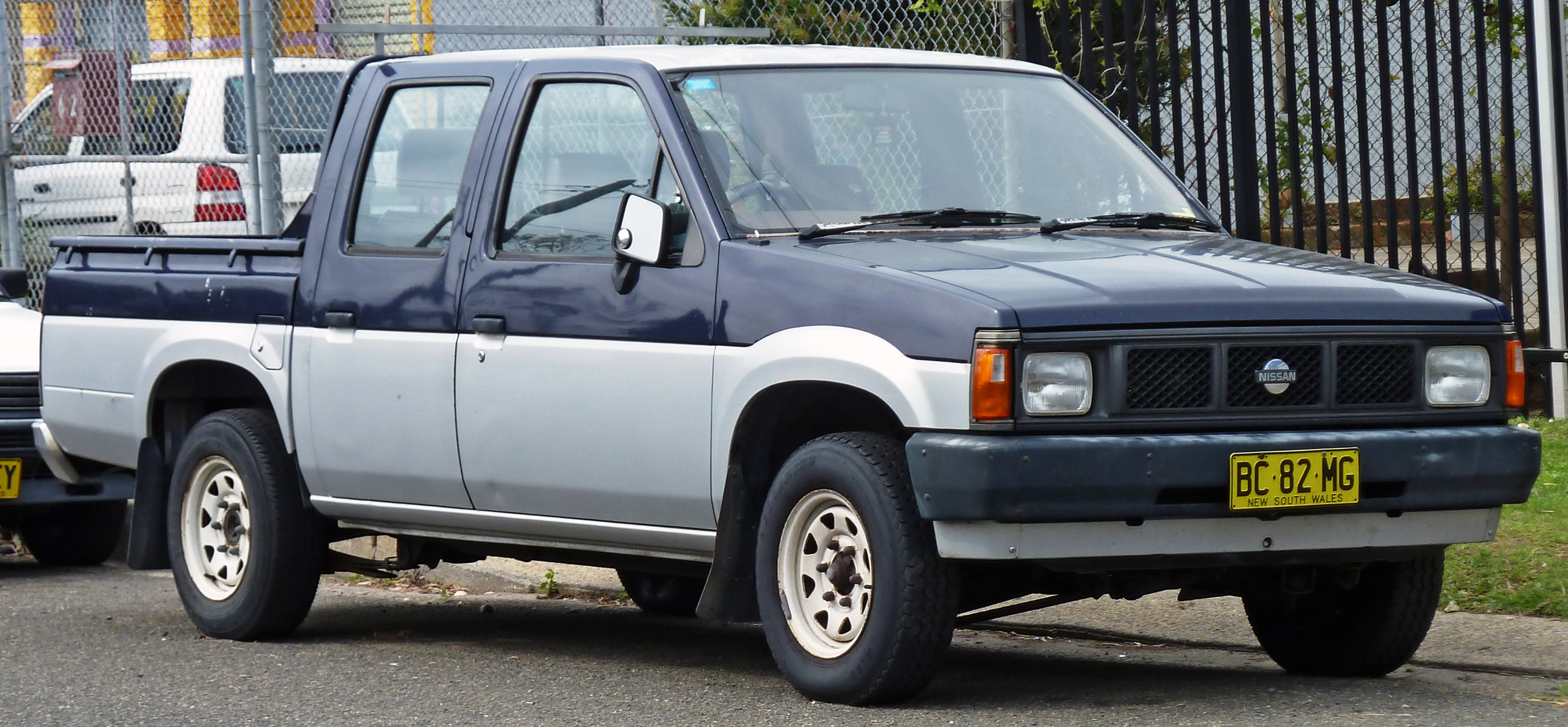 File 1989 Nissan Navara D21 4 Door Utility 2010 09 19