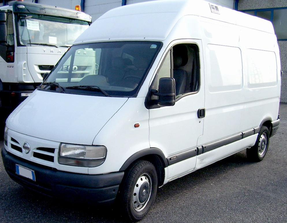 nissan - interstar