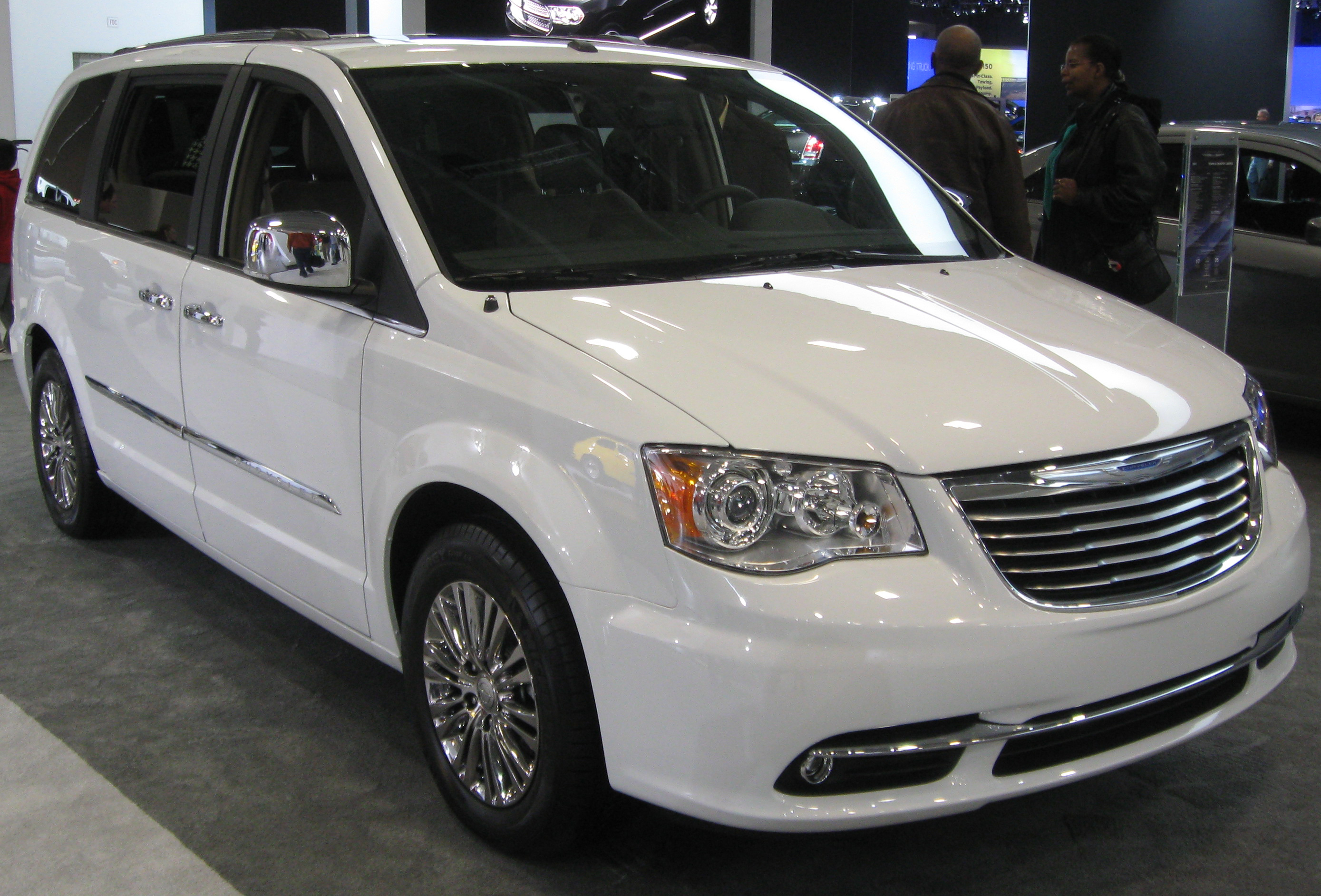 File 2011 Chrysler Town and Country Limited 2011 DC