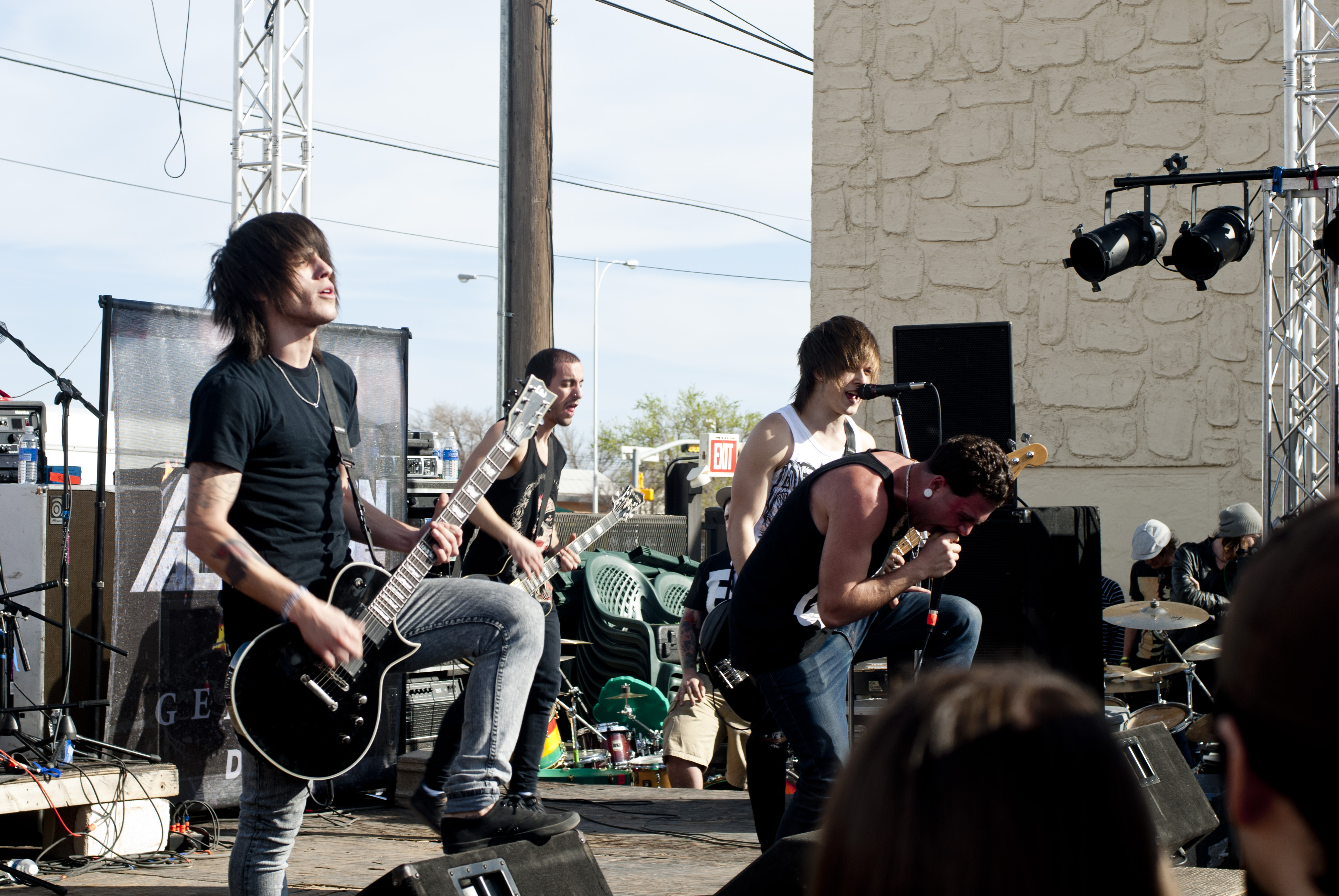 Picture of a band or musician: Abandon All Ships!