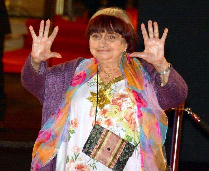 Er 90-år gammel, 165 cm høj Agnes Varda i 2018 photo