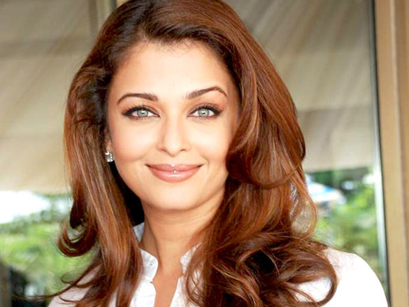 http://upload.wikimedia.org/wikipedia/commons/1/16/Aishwarya_Rai_Robot1.jpg
